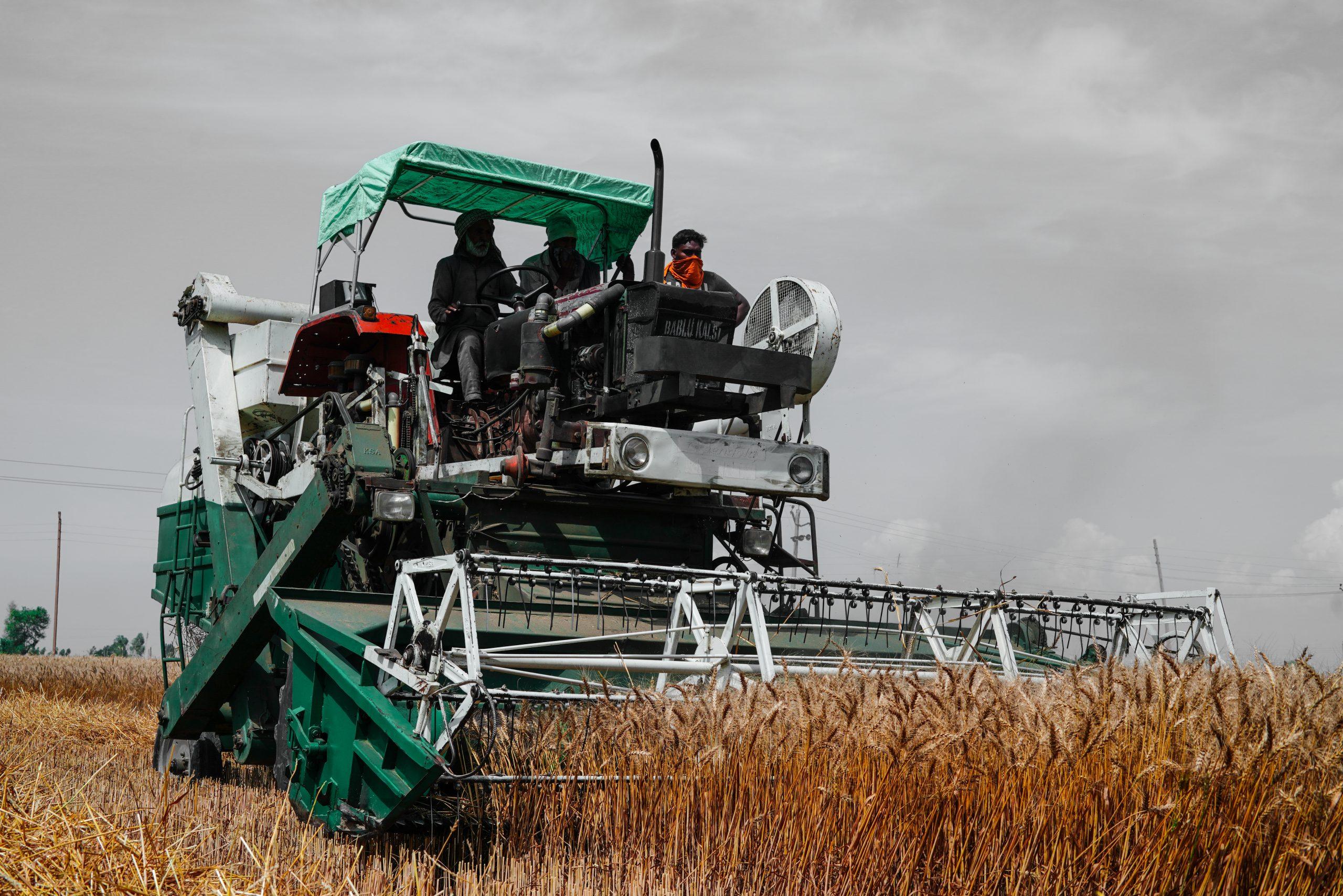 A wheat cutting machine