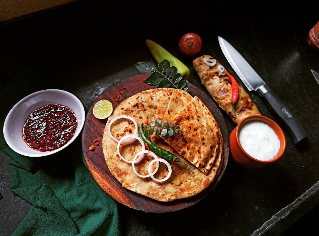 aalo parantha with dahi breakfast indian