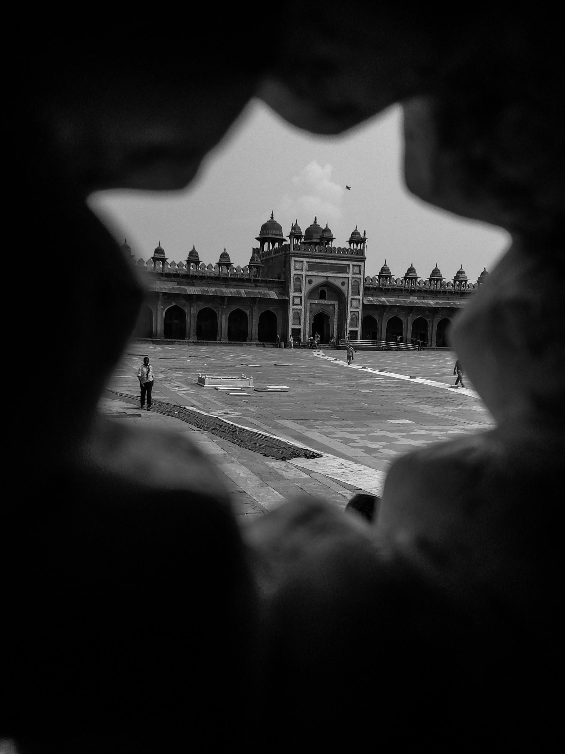 Fatehpur Sikri through a hole