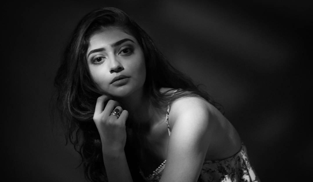 Female Beautiful Girl Model in Black and White