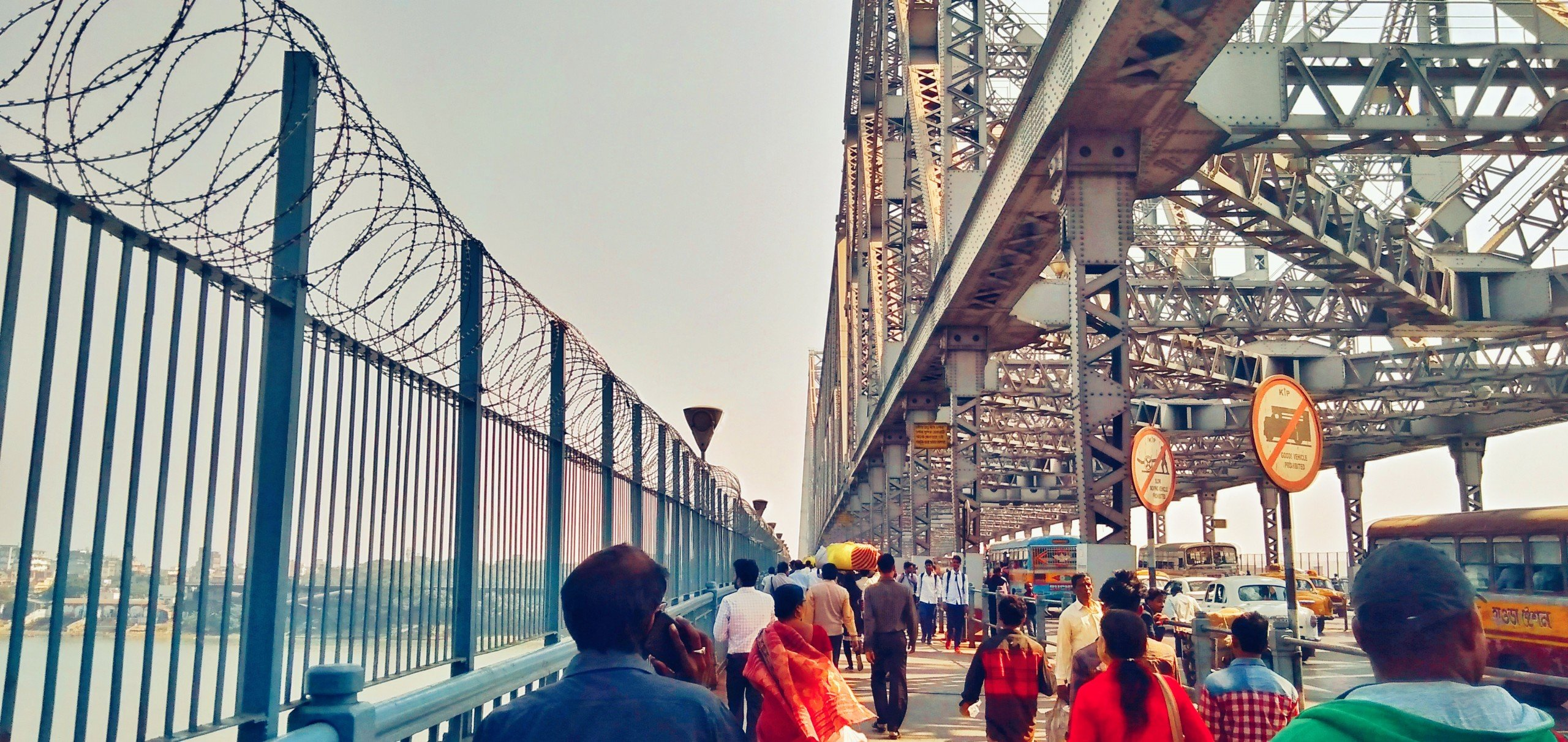 Howrah Bridge Street – City Life