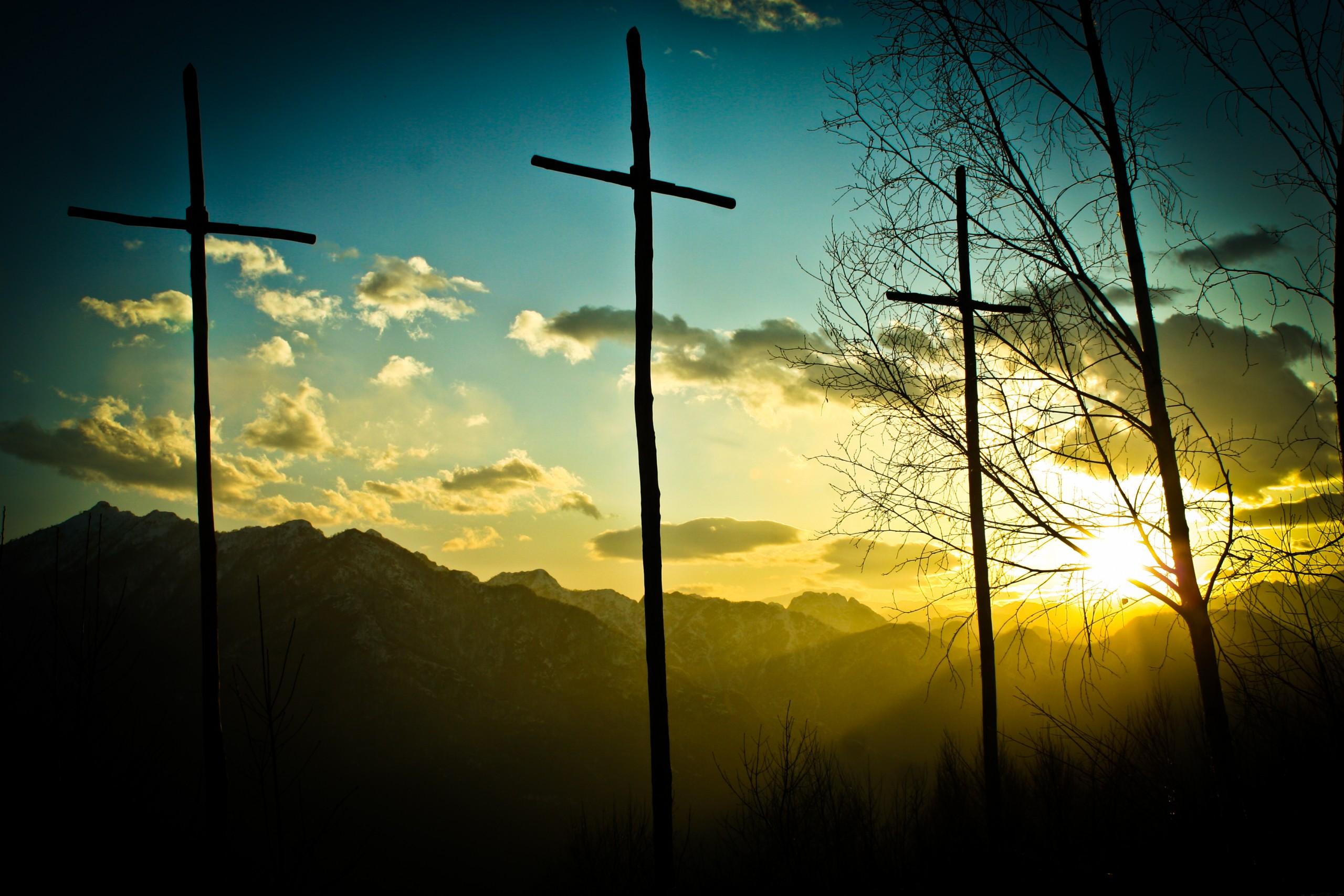Mont three cross