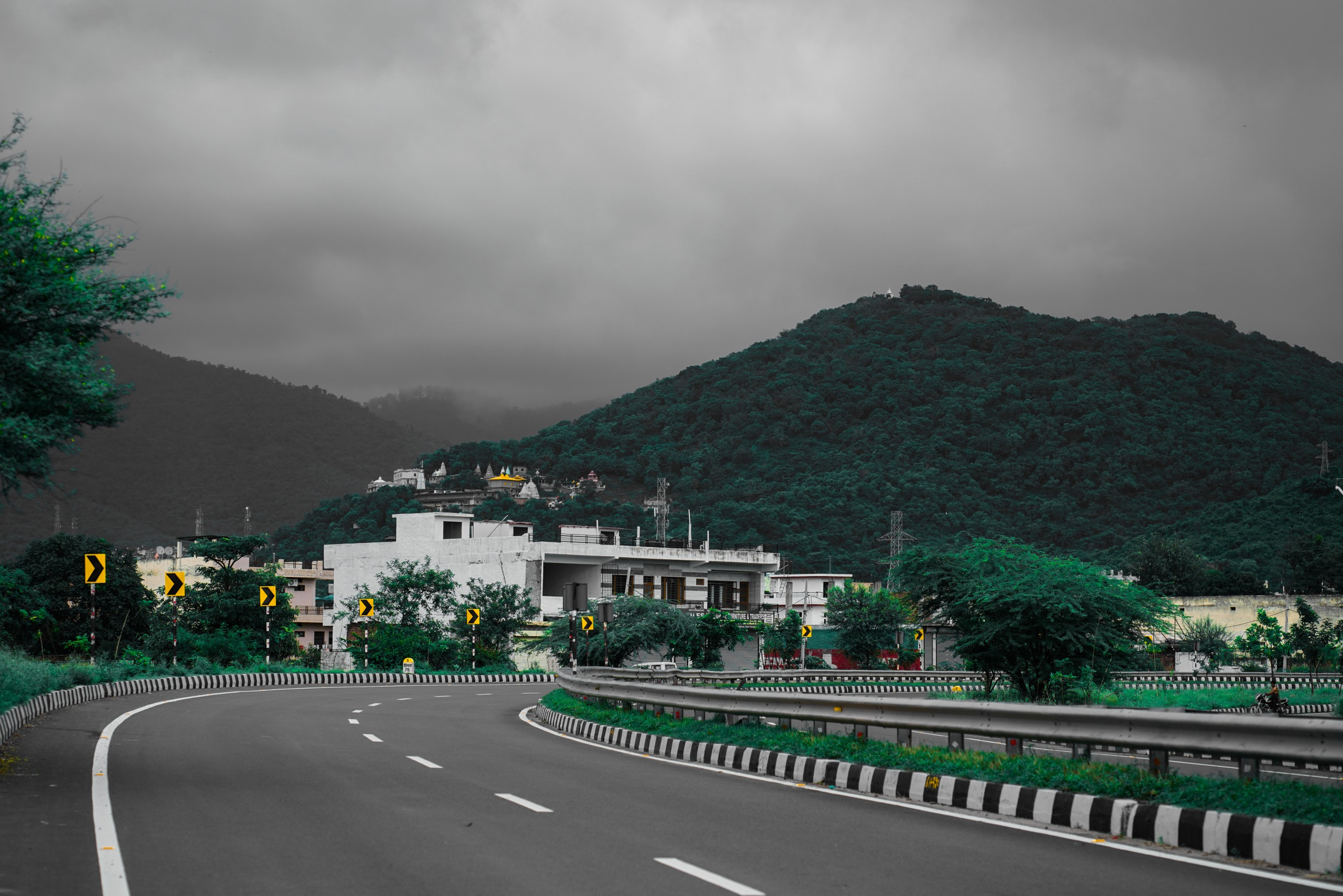 Mountains, Highway and Houses