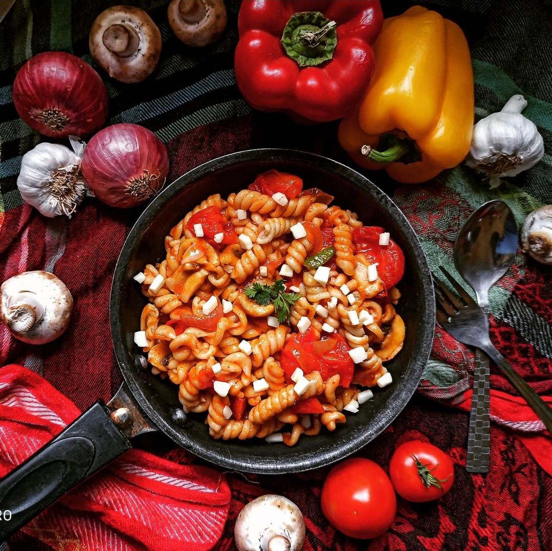 red sauce pasta italian food