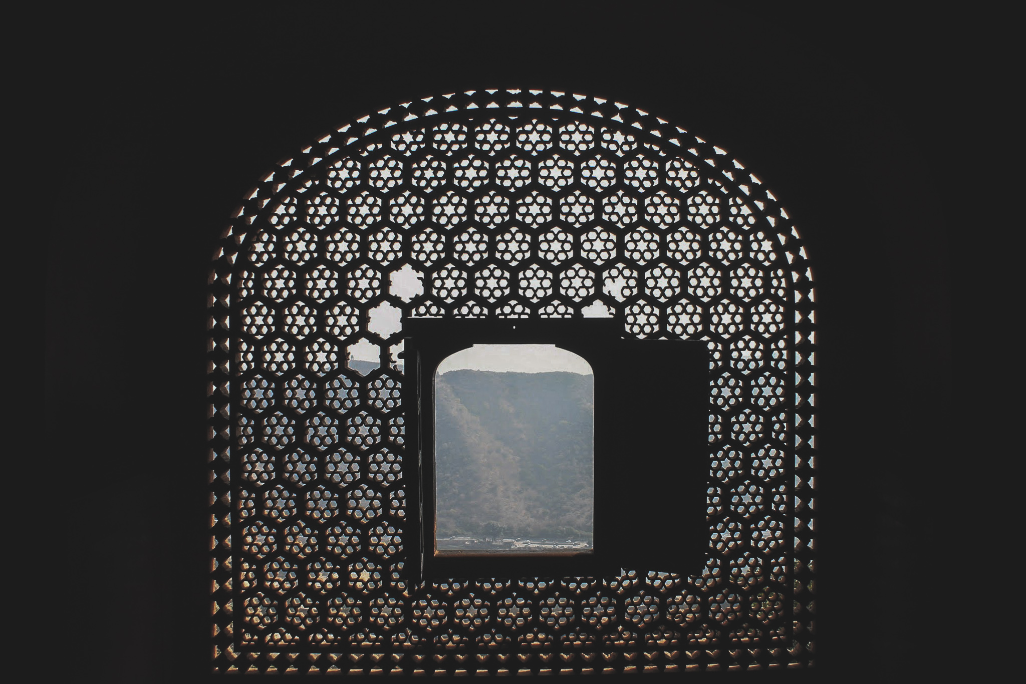 A window at Amber Fort