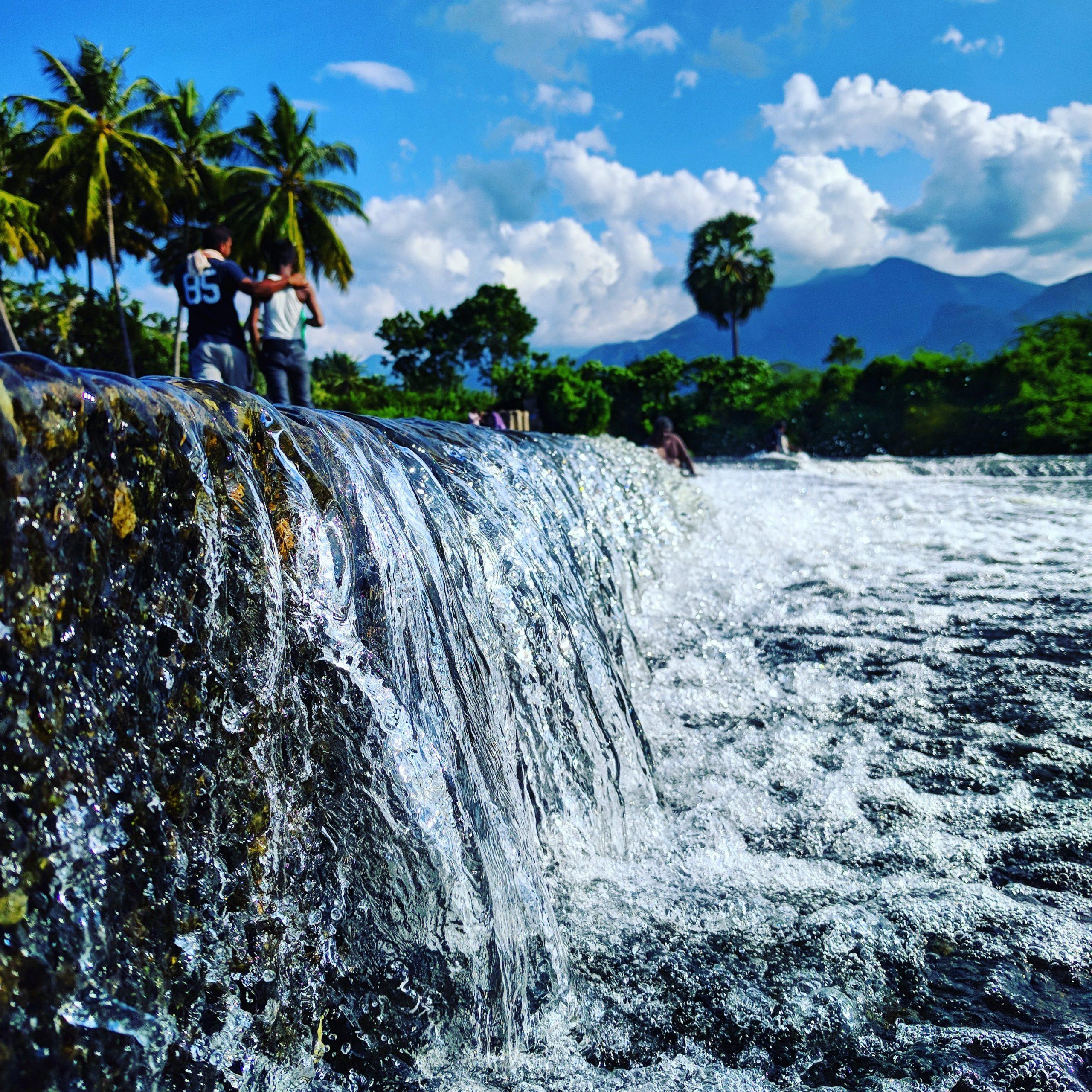 Water Streams Splash Scenery