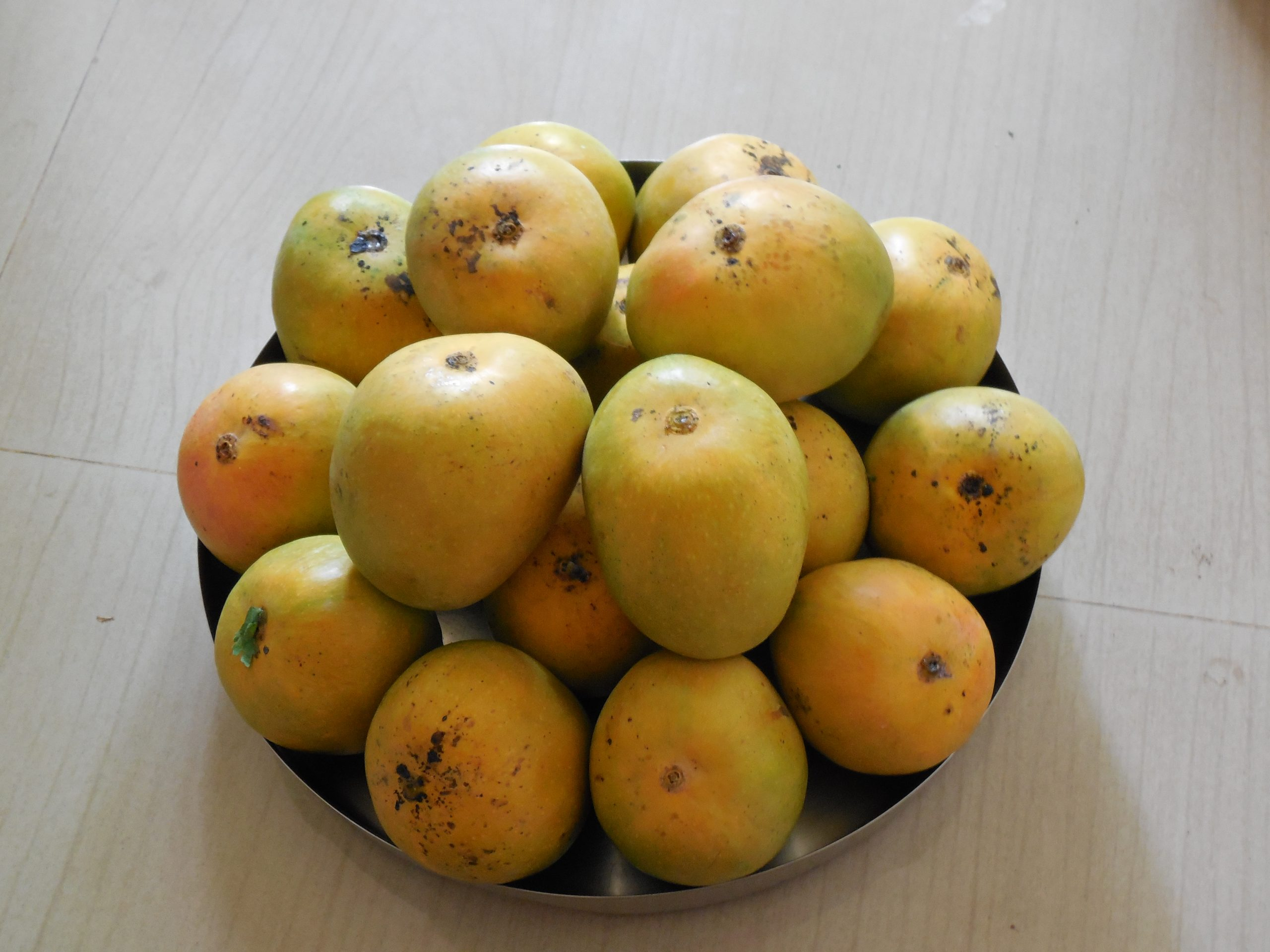 Alphonso mangoes in plate