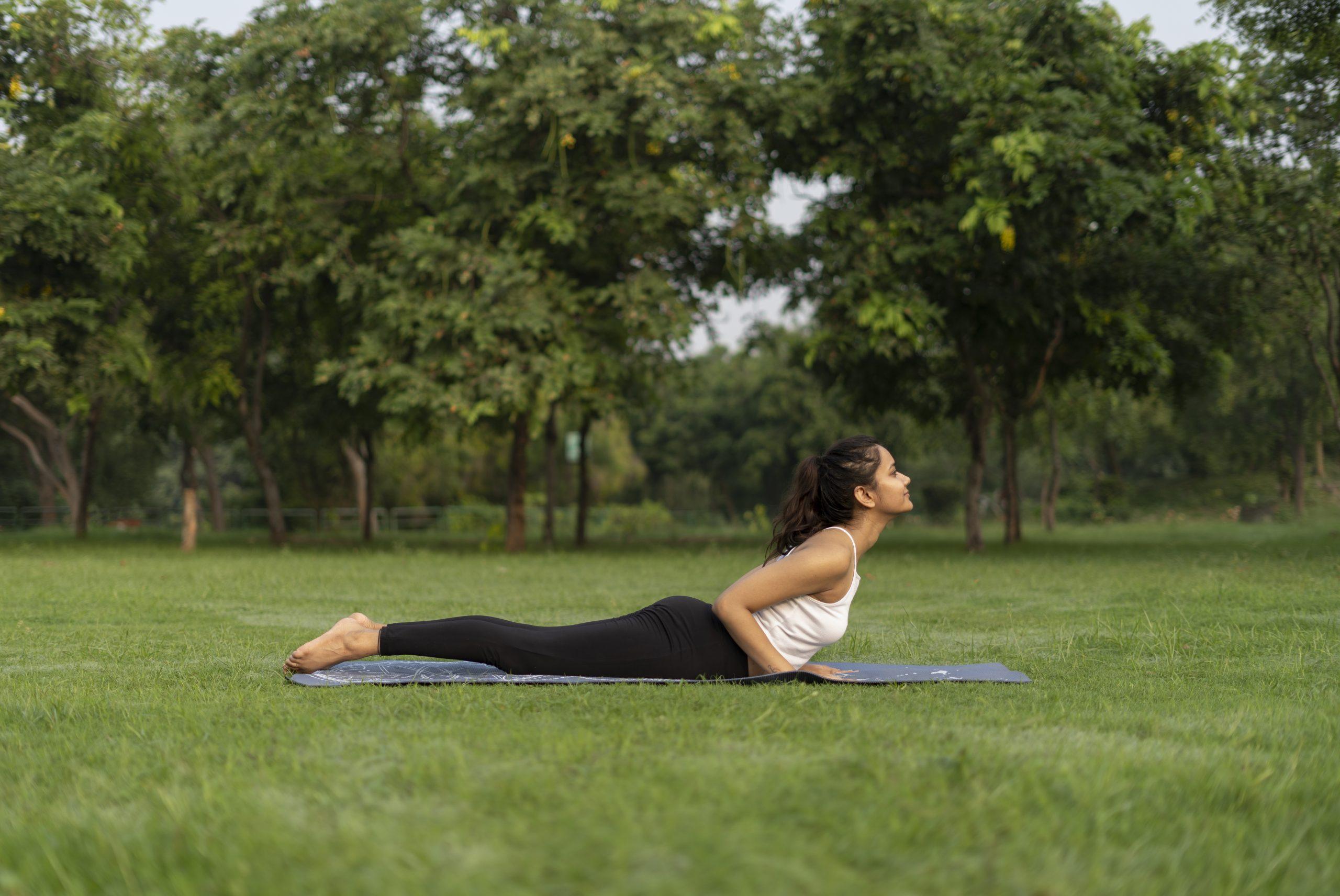 Ardh Bhujangasana (cobra yoga pose)