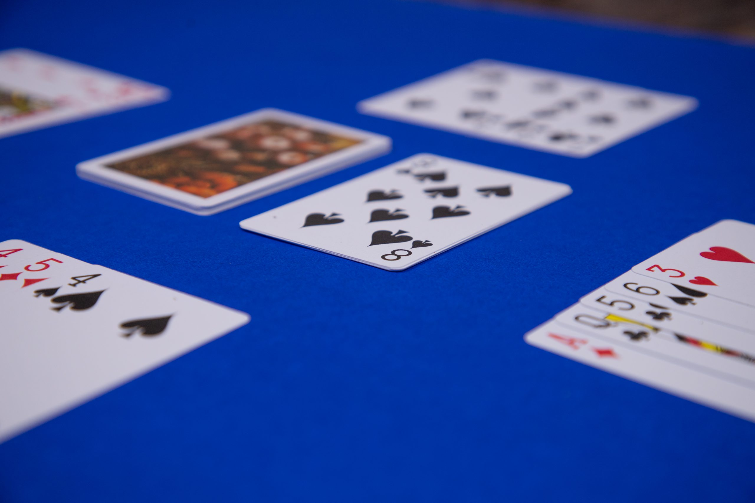 Crazy Eights Game