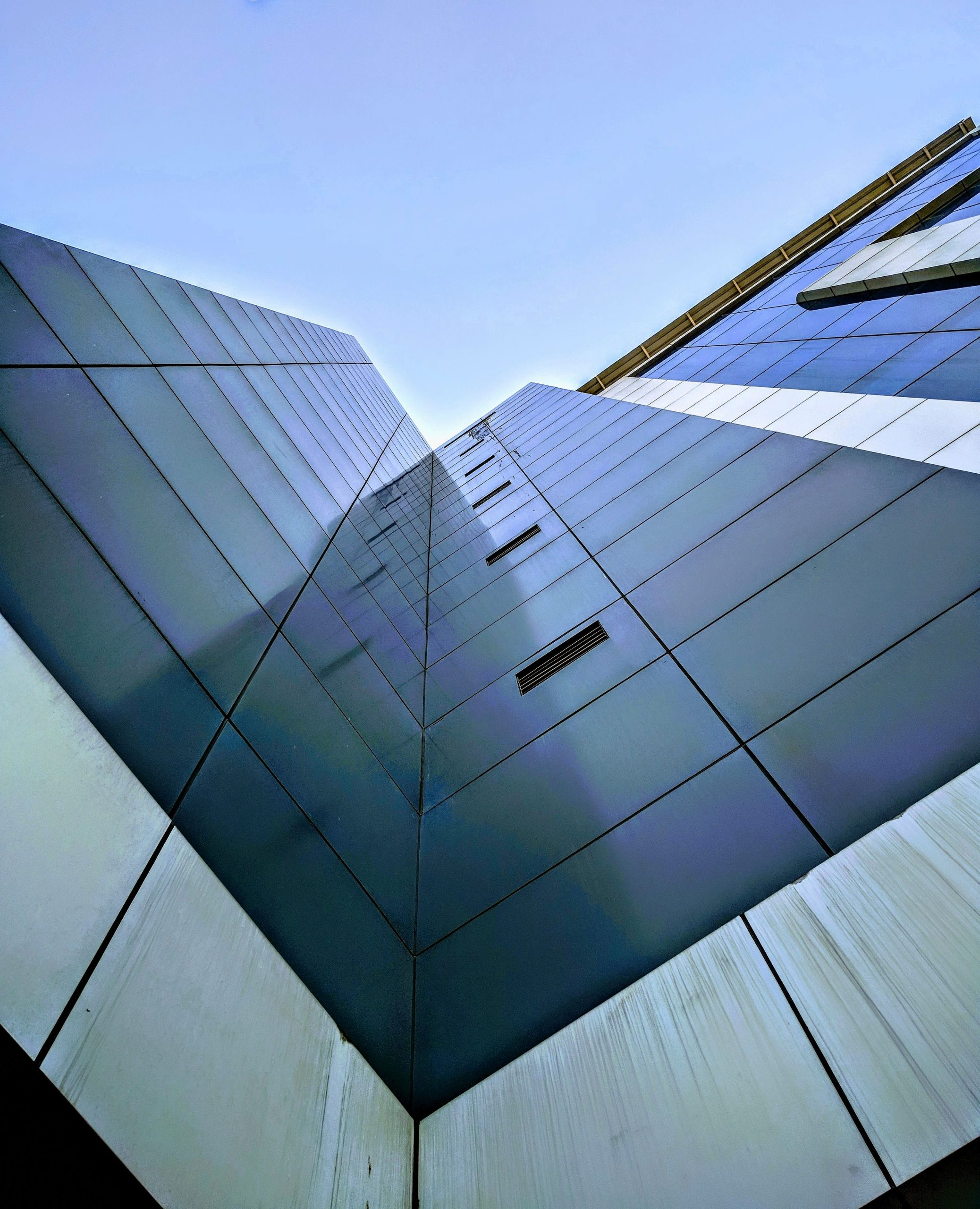 Curtain wall of a building