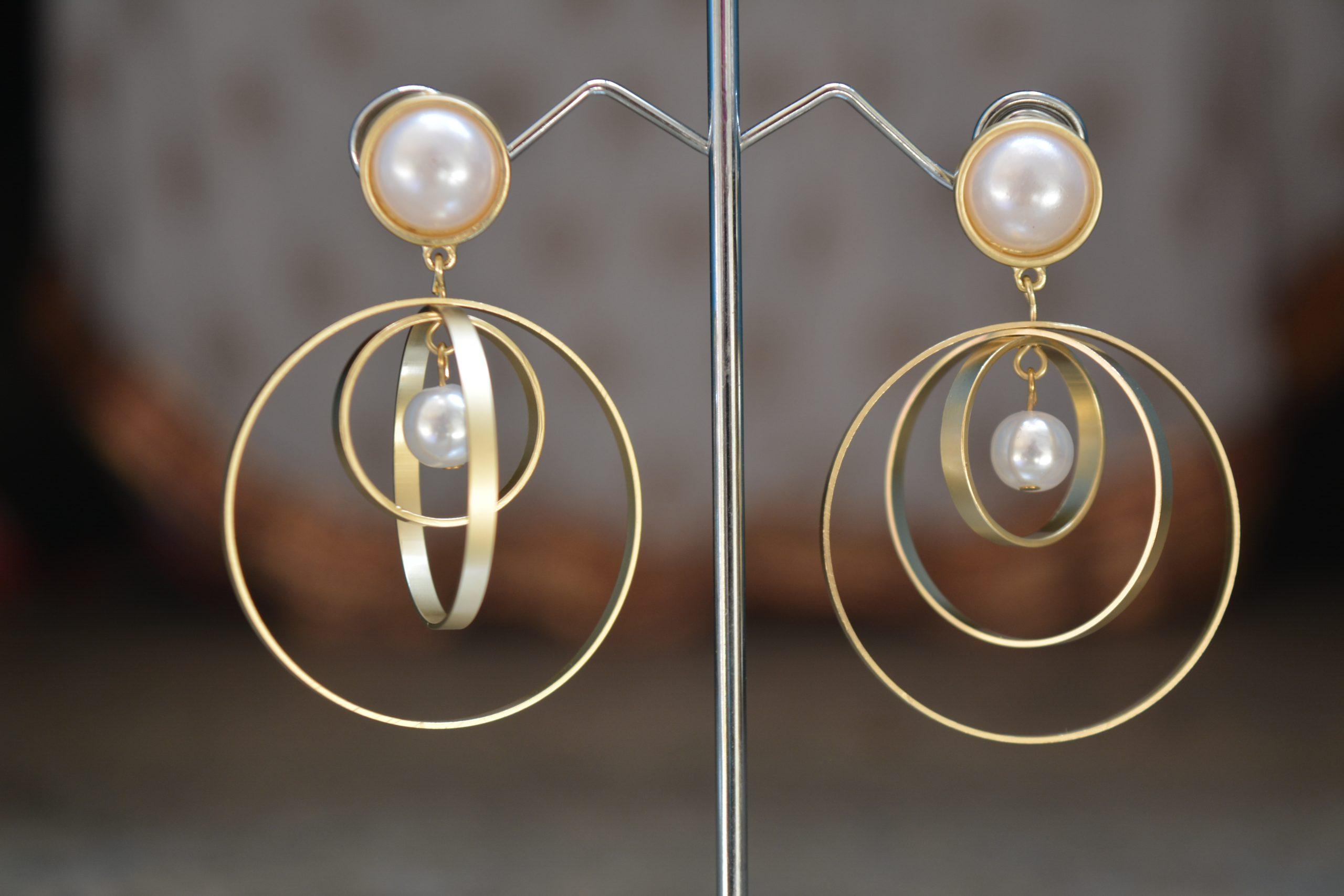 Graceful pearl earrings.