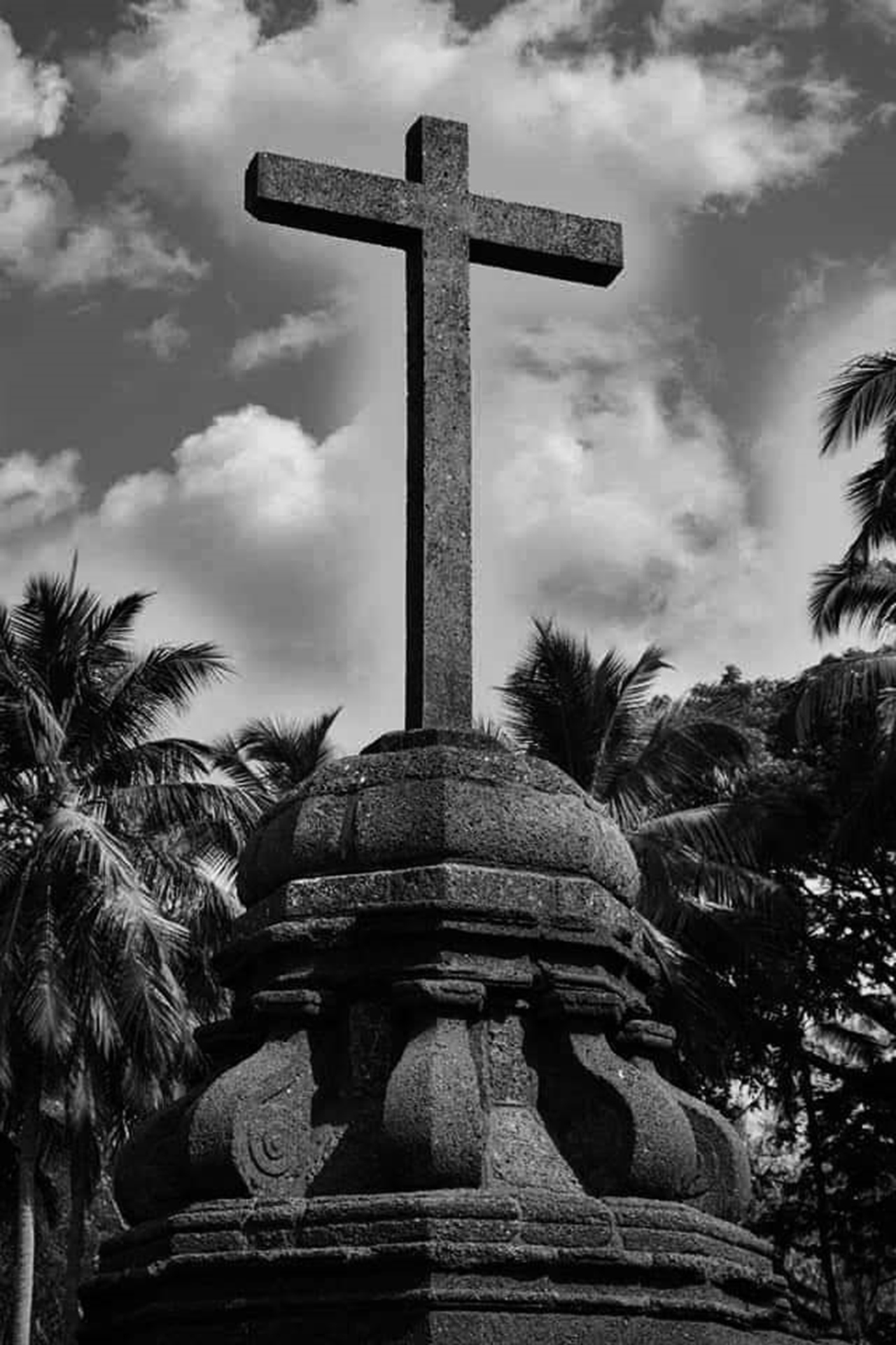 HOLY CROSS AT OUTSIDE OF THE BASILICA BOM JESUS CHURCH AT GOA