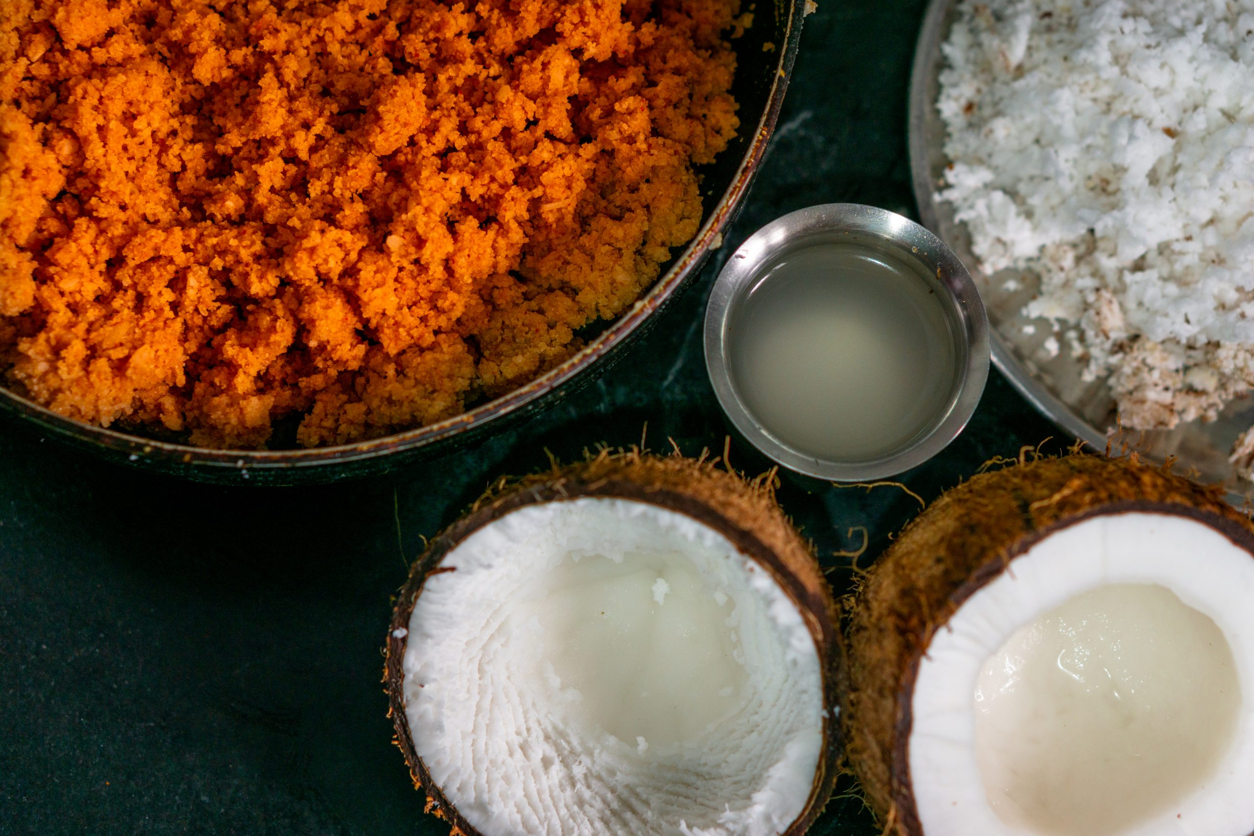 Dishes made of coconut