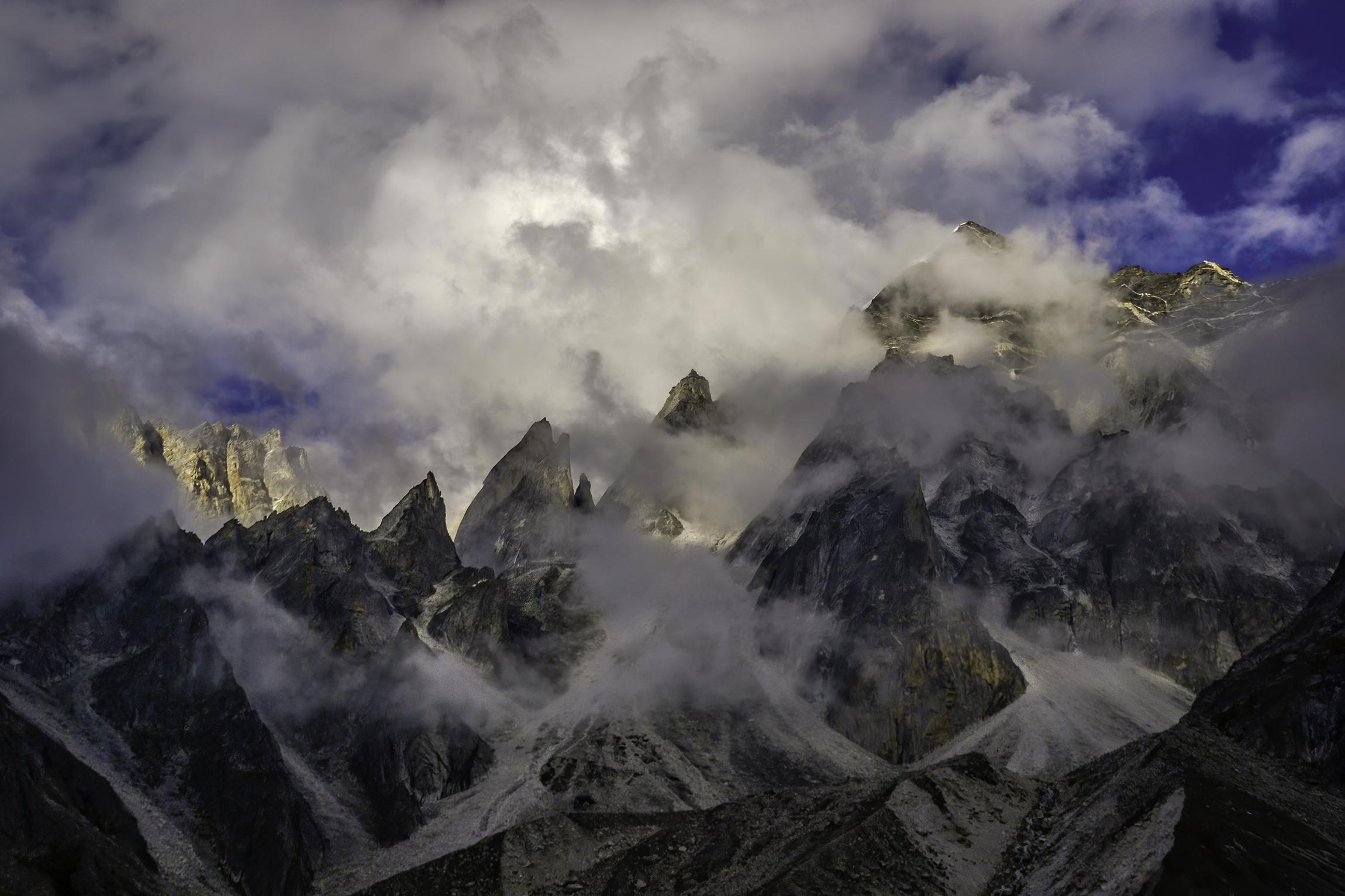 Himalayan mountain peaks of Uttarakhand.