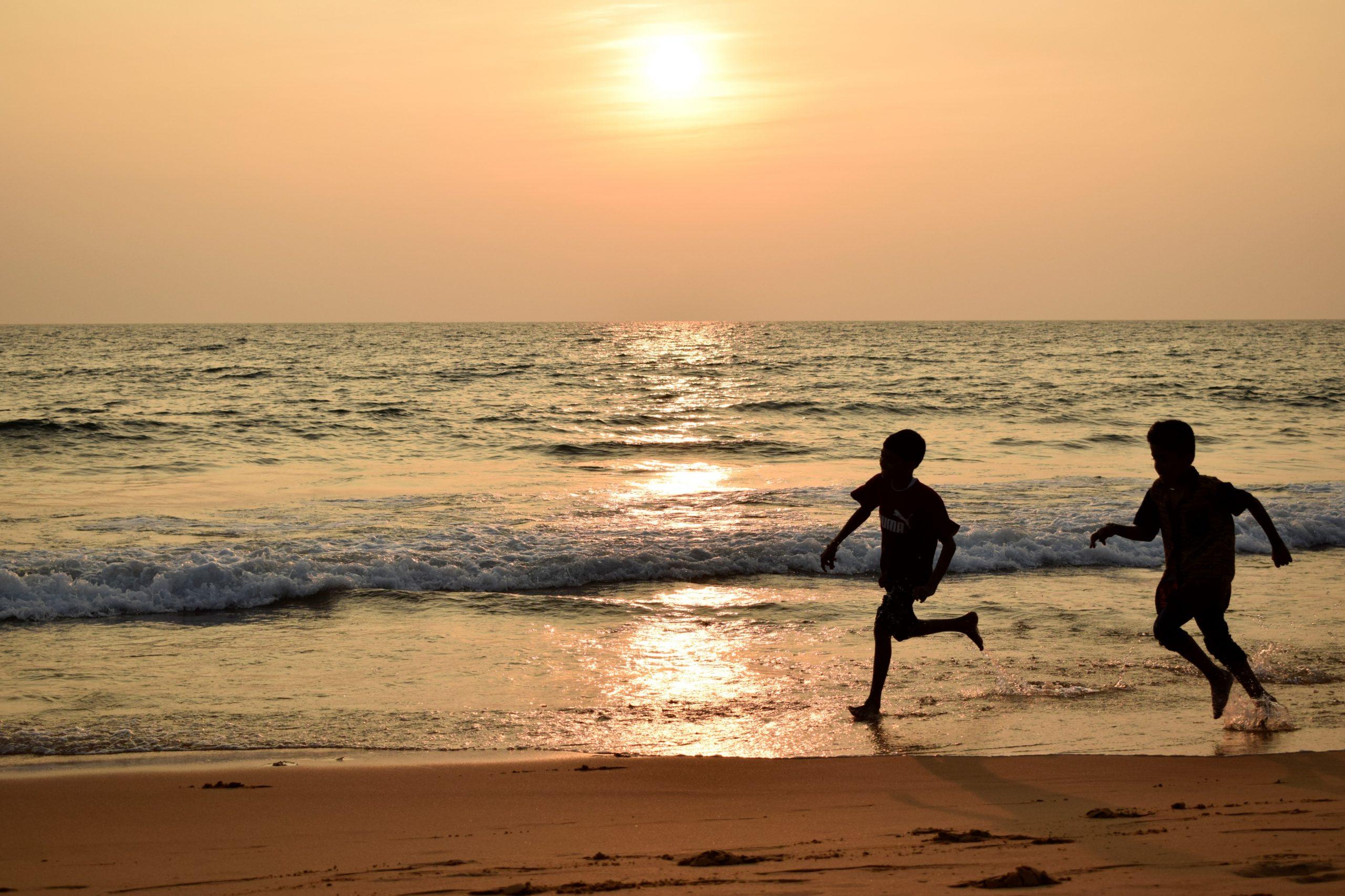 Kids playing at Shankumugham Beach