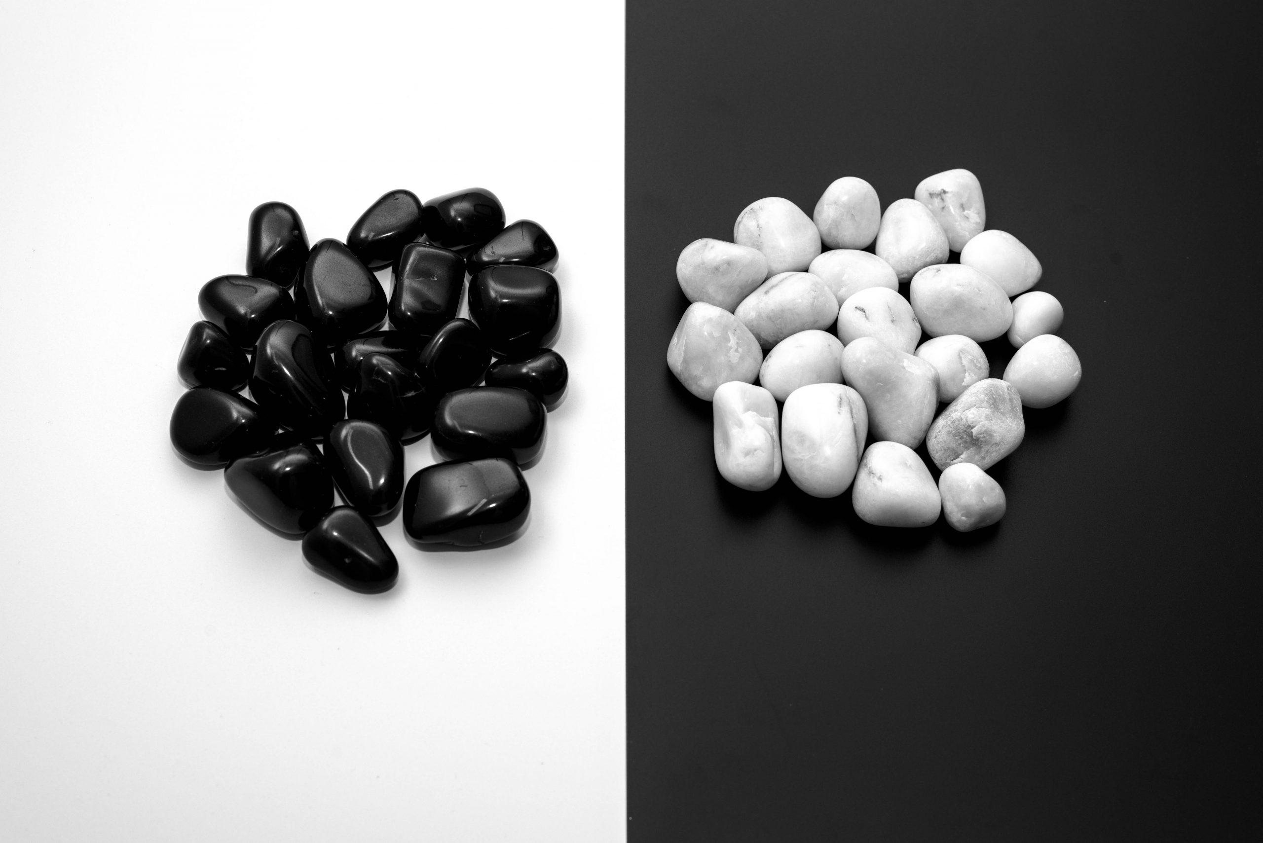 Monochromatic Pebbles