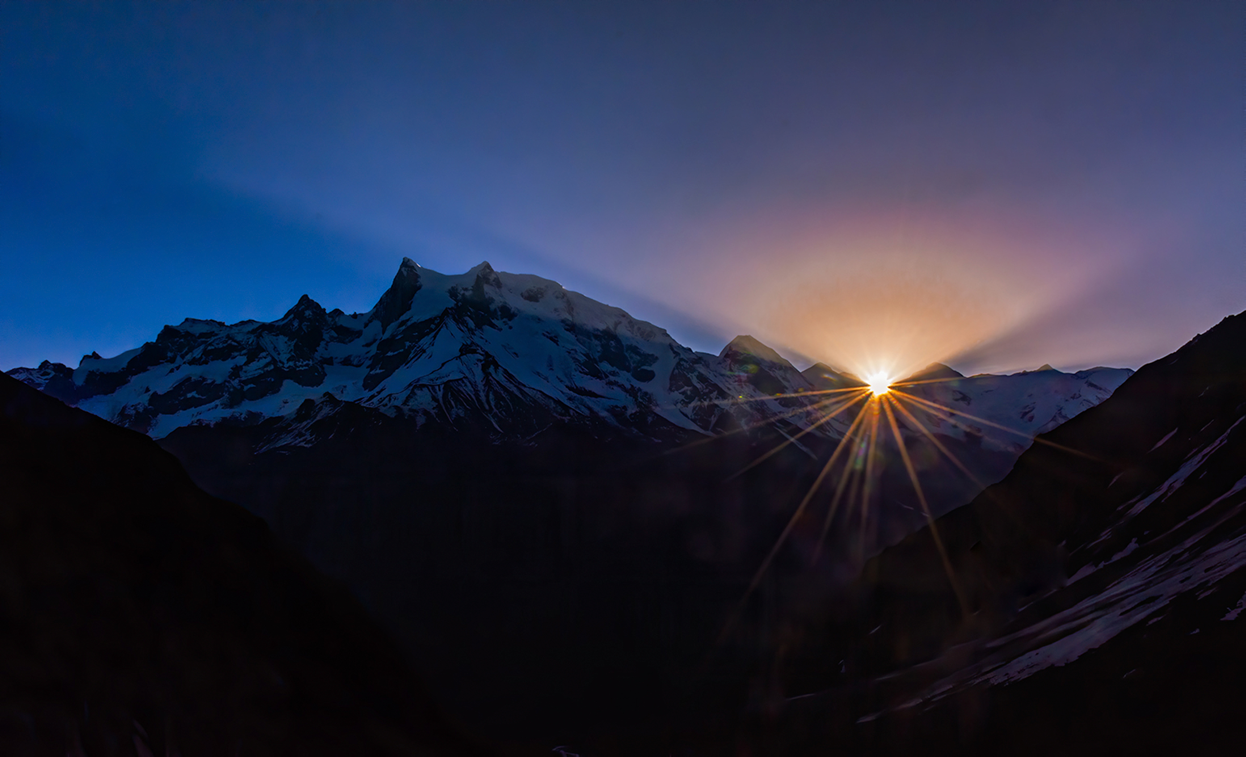 sunrising behind the mountains