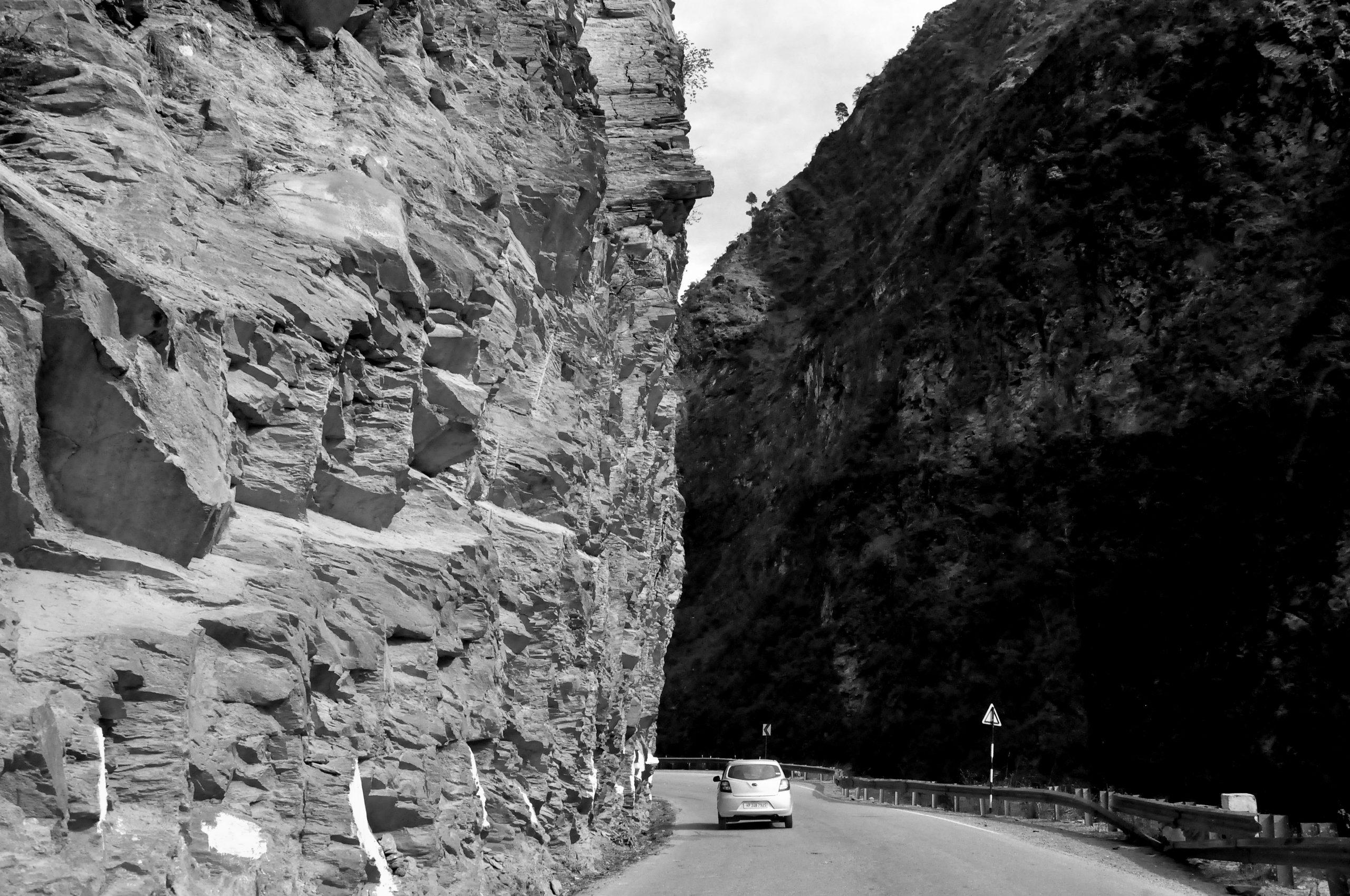 Narrow road to Manali