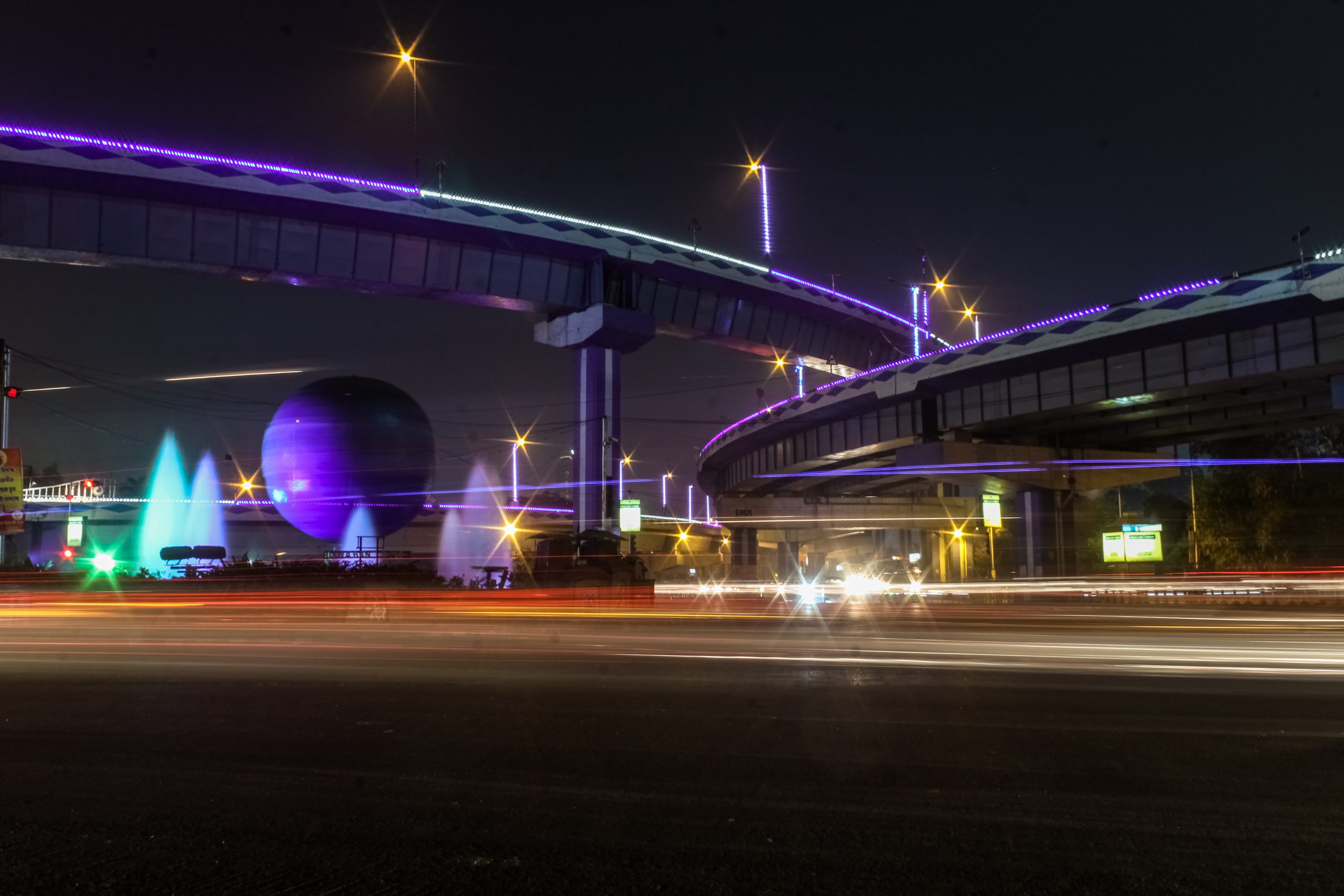 Night view of Kolkata roads