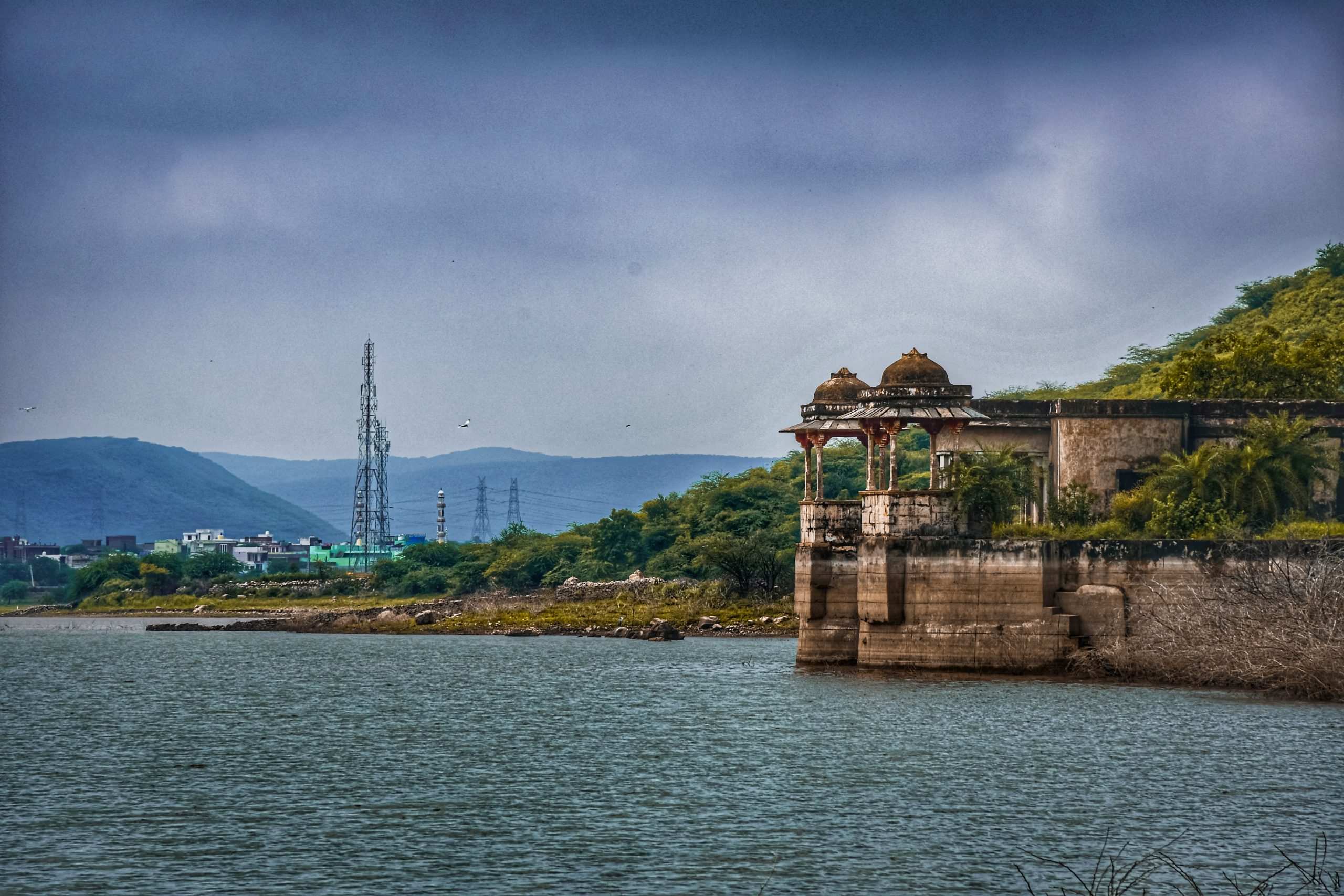Aesthetic view of Phool Sagar Lake in Bundi.