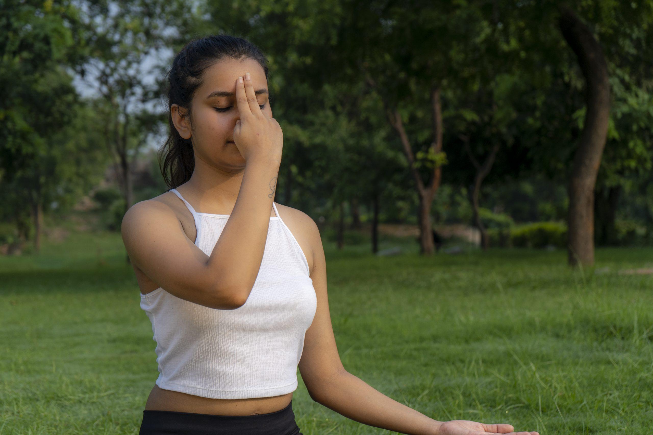Prana Mudra (Mudra of life)