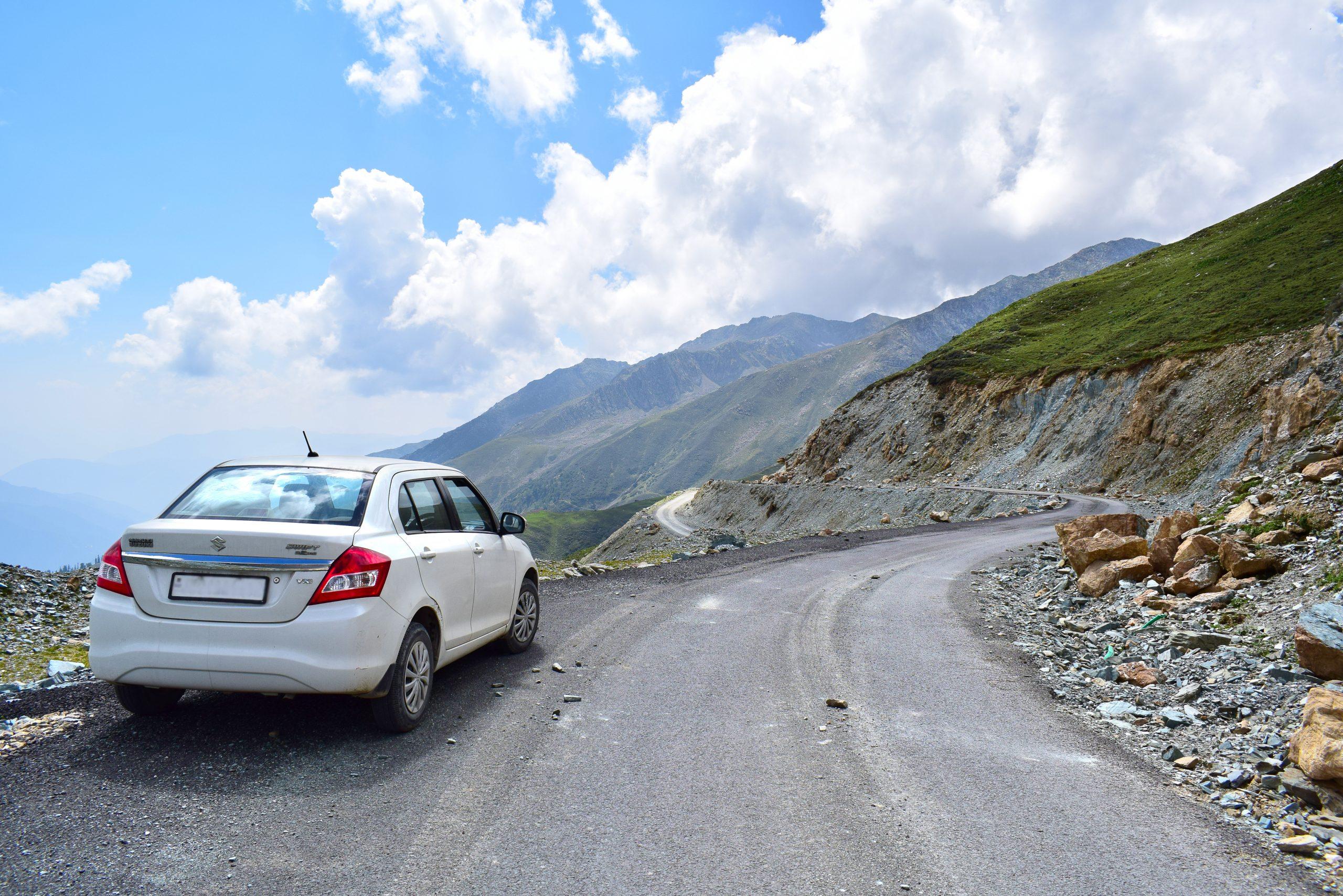 Road trip to Sinthan Top, Kashmir.