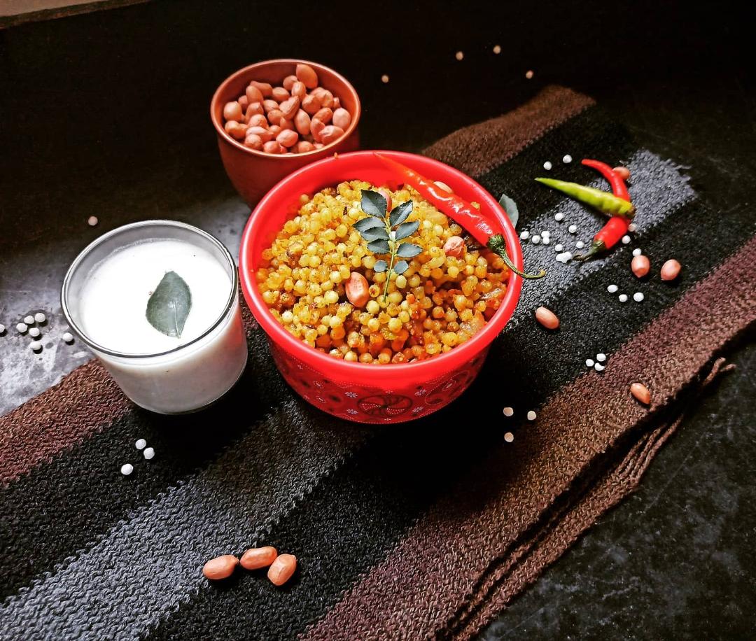 Sabudana khichdi on a bowl