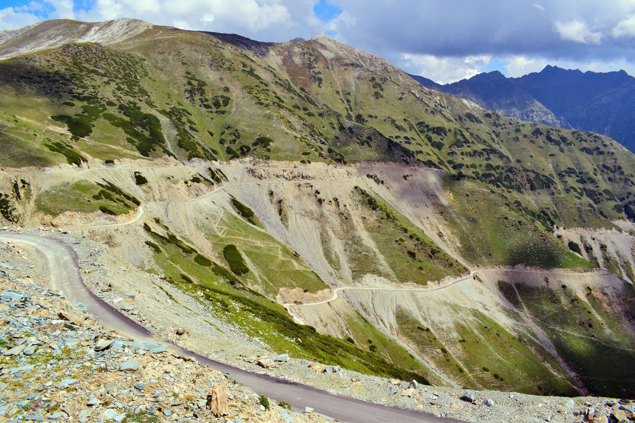 Serene beauty of Sinthan Top in Kashmir.
