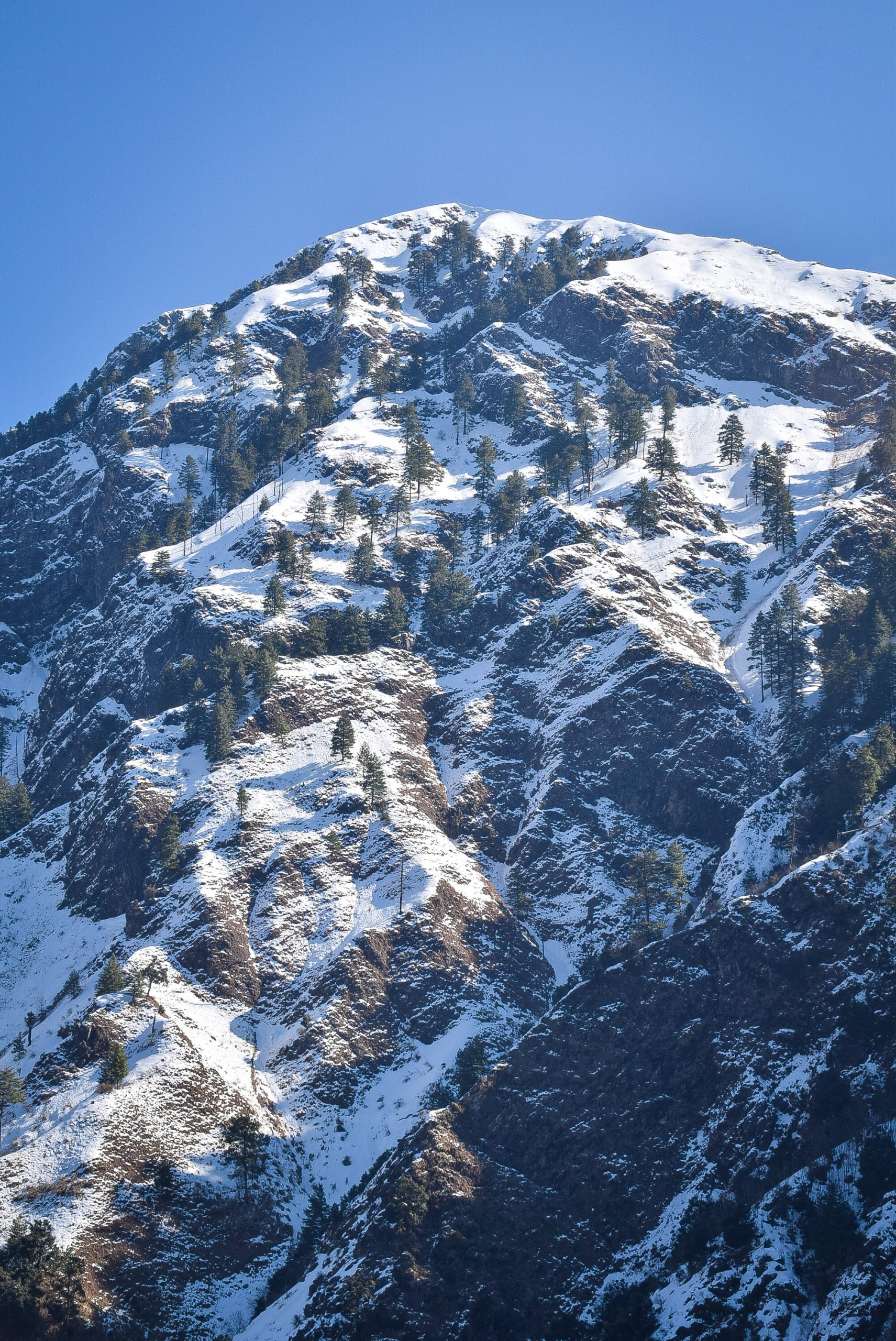 Snowy mountains near Vaishno Mata temple