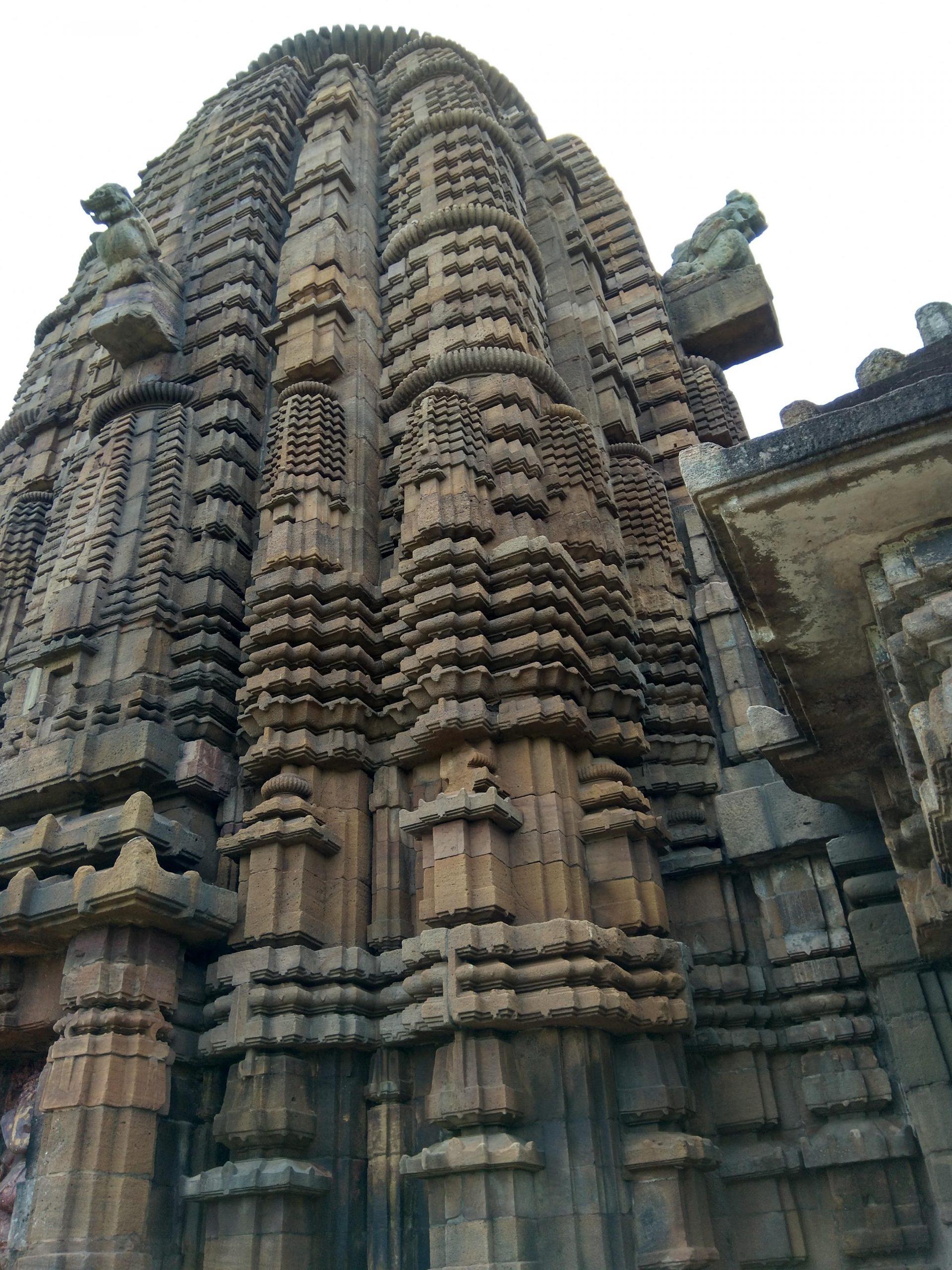 The huge Bhubaneswara temple.