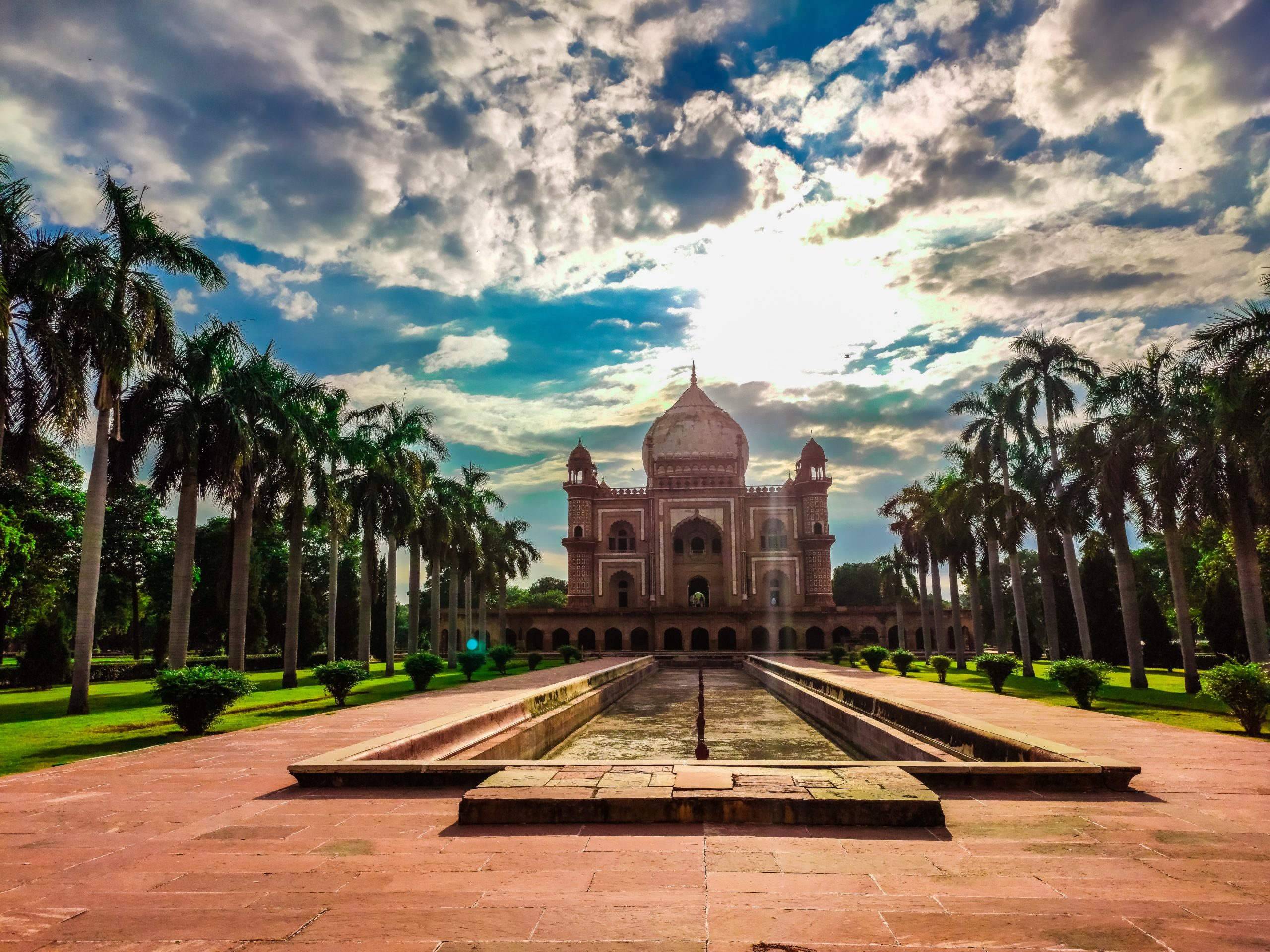 This is Safdarajang Tomb