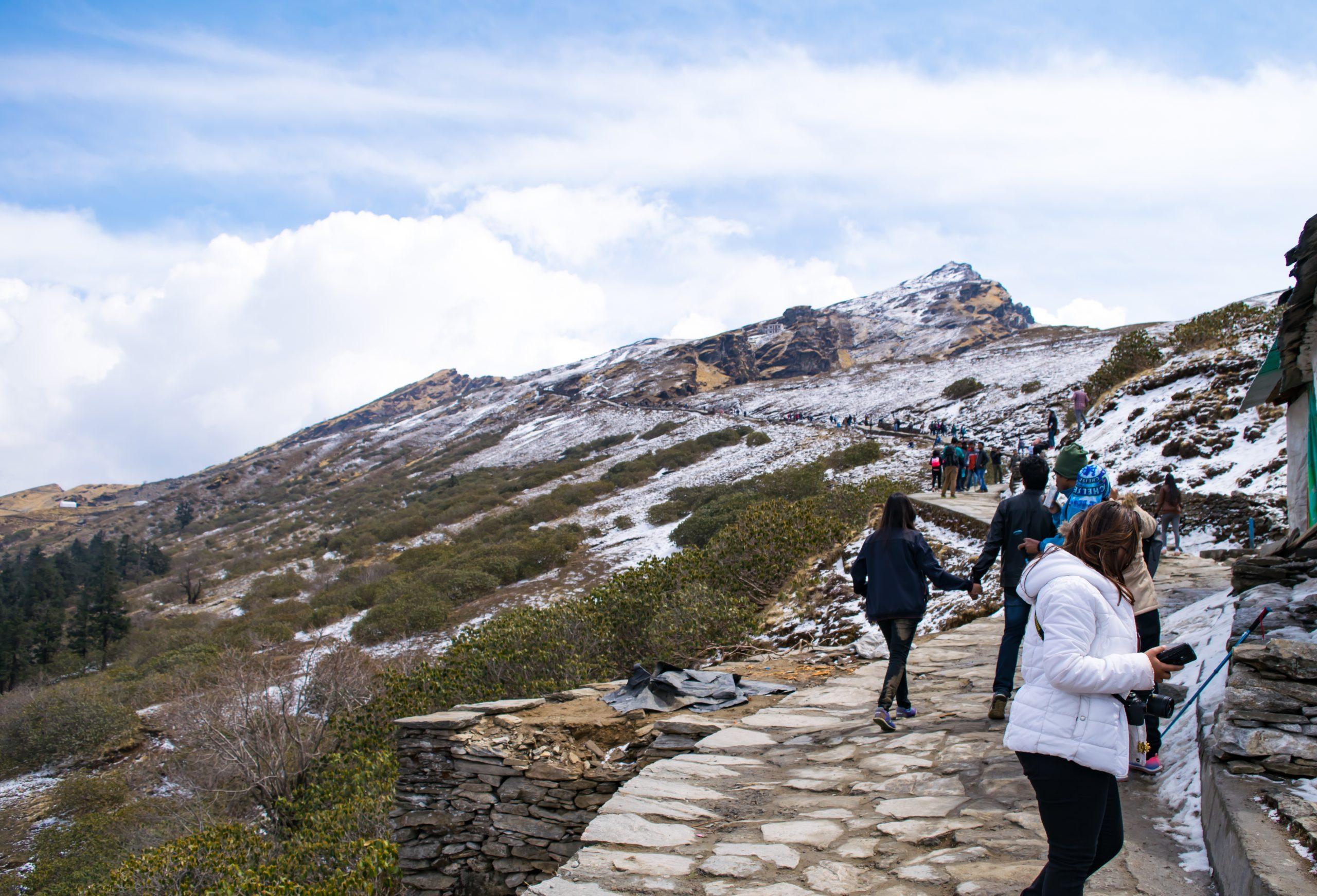 Trekkers heading to Chandrashila peak