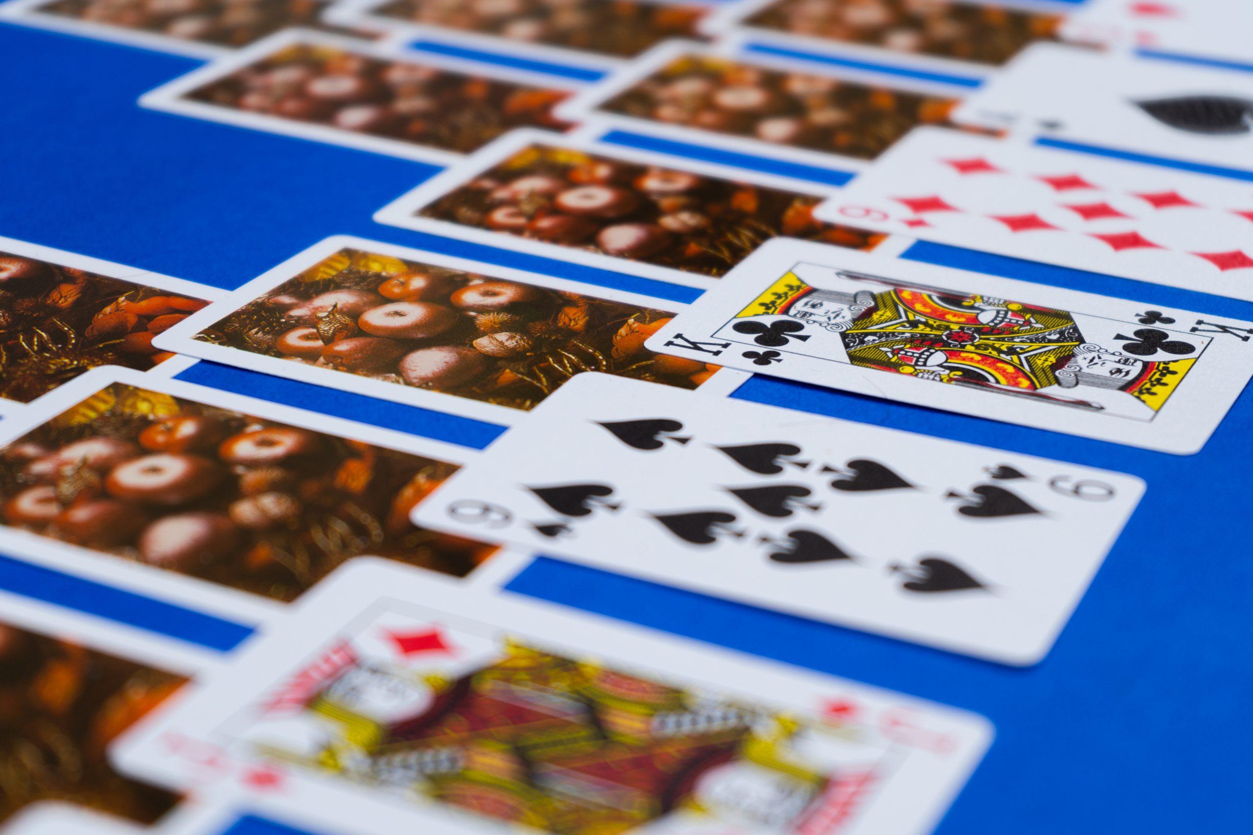 Tri Peaks card game