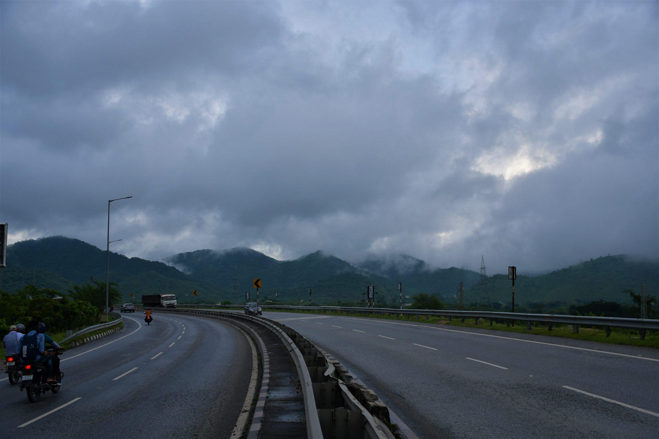 Udaipur highway during monsoon