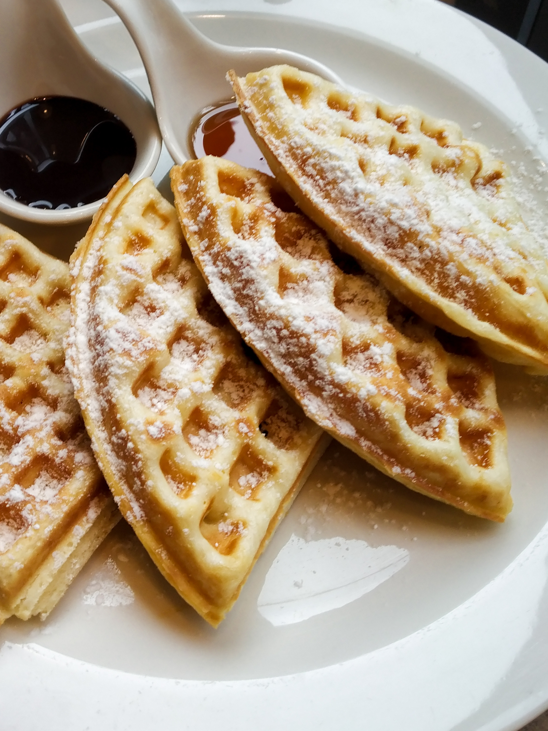 waffles breakfast