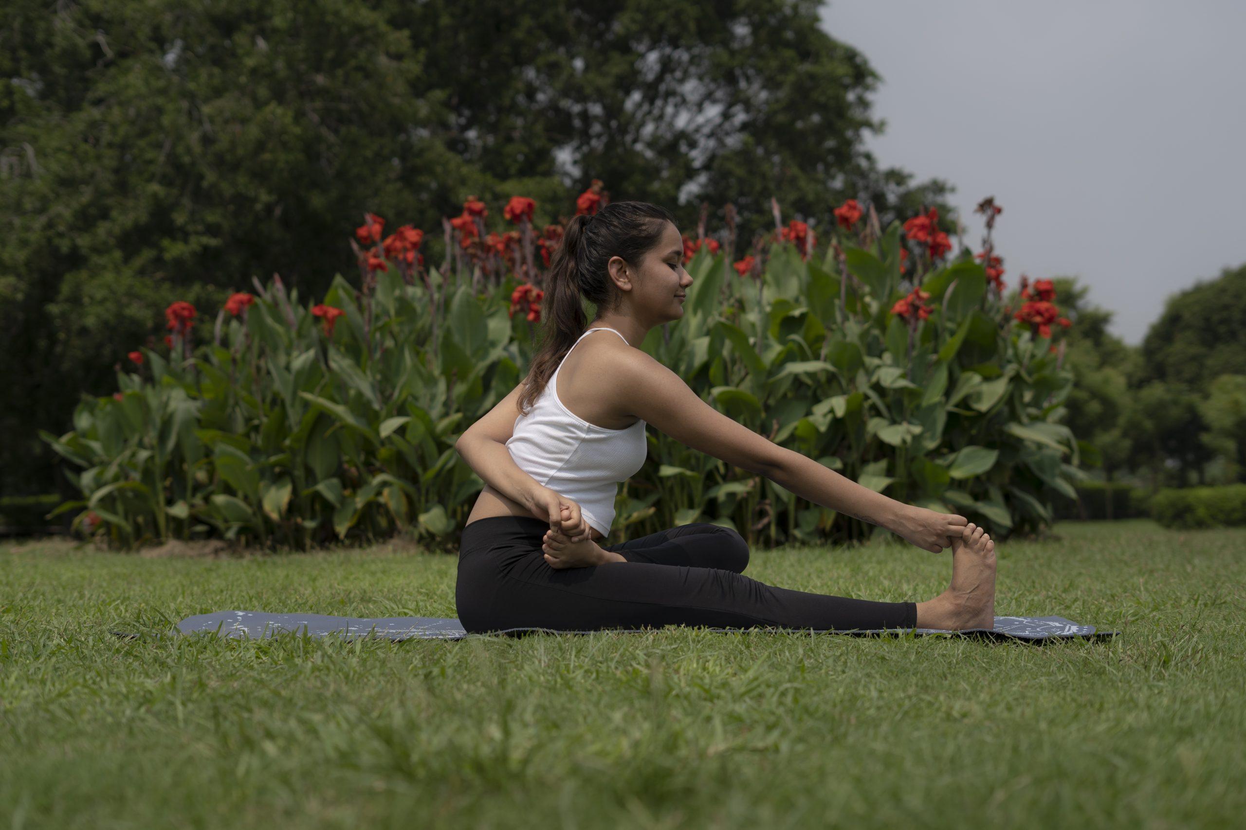 Yoga(Hasta padangusthasana)
