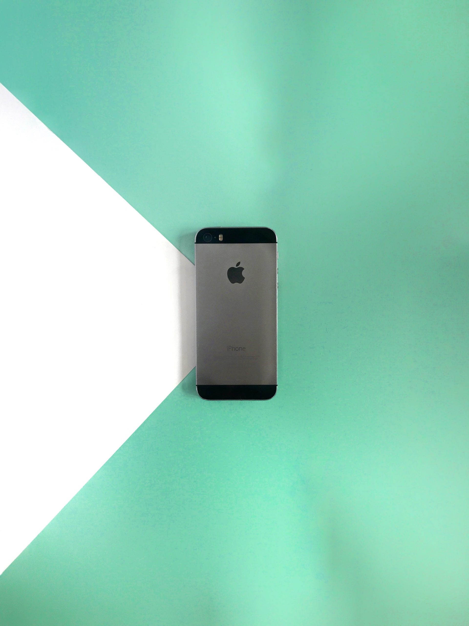 iPhone Flatlay