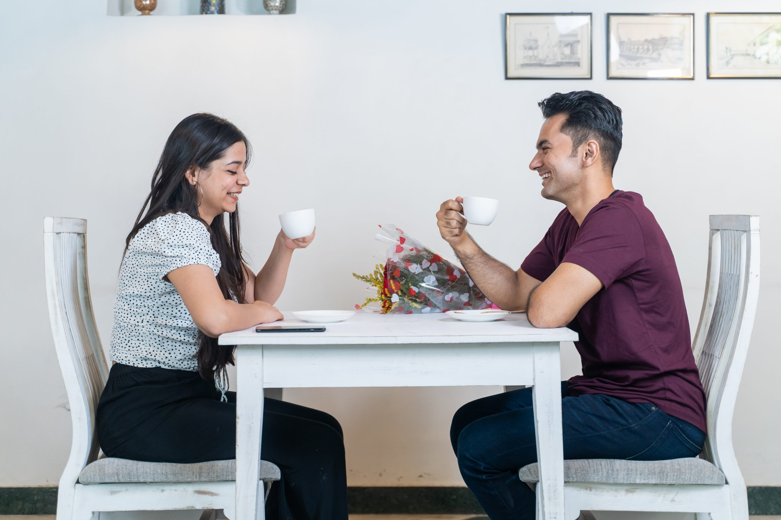 A couple on first date
