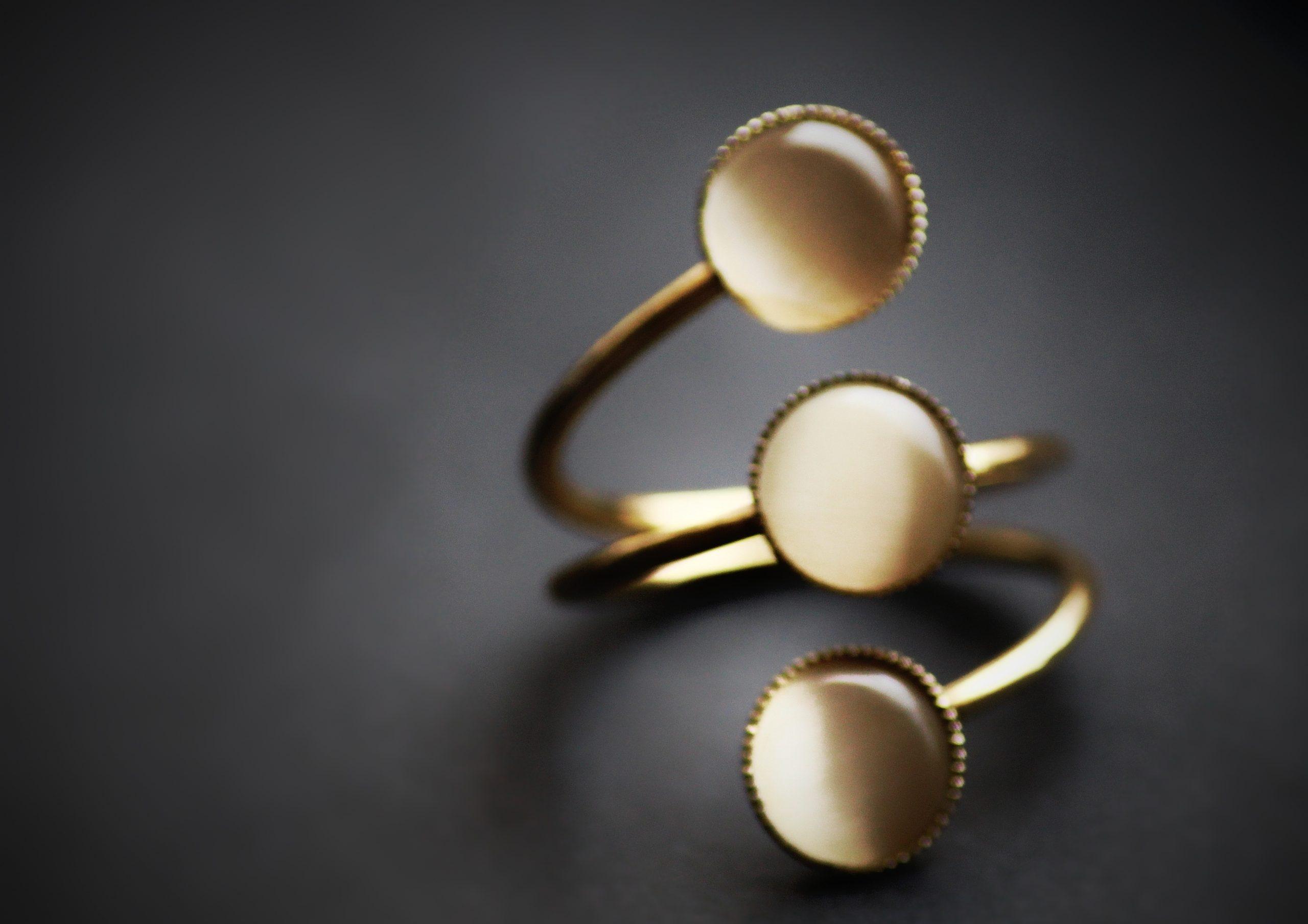 A spiral ring