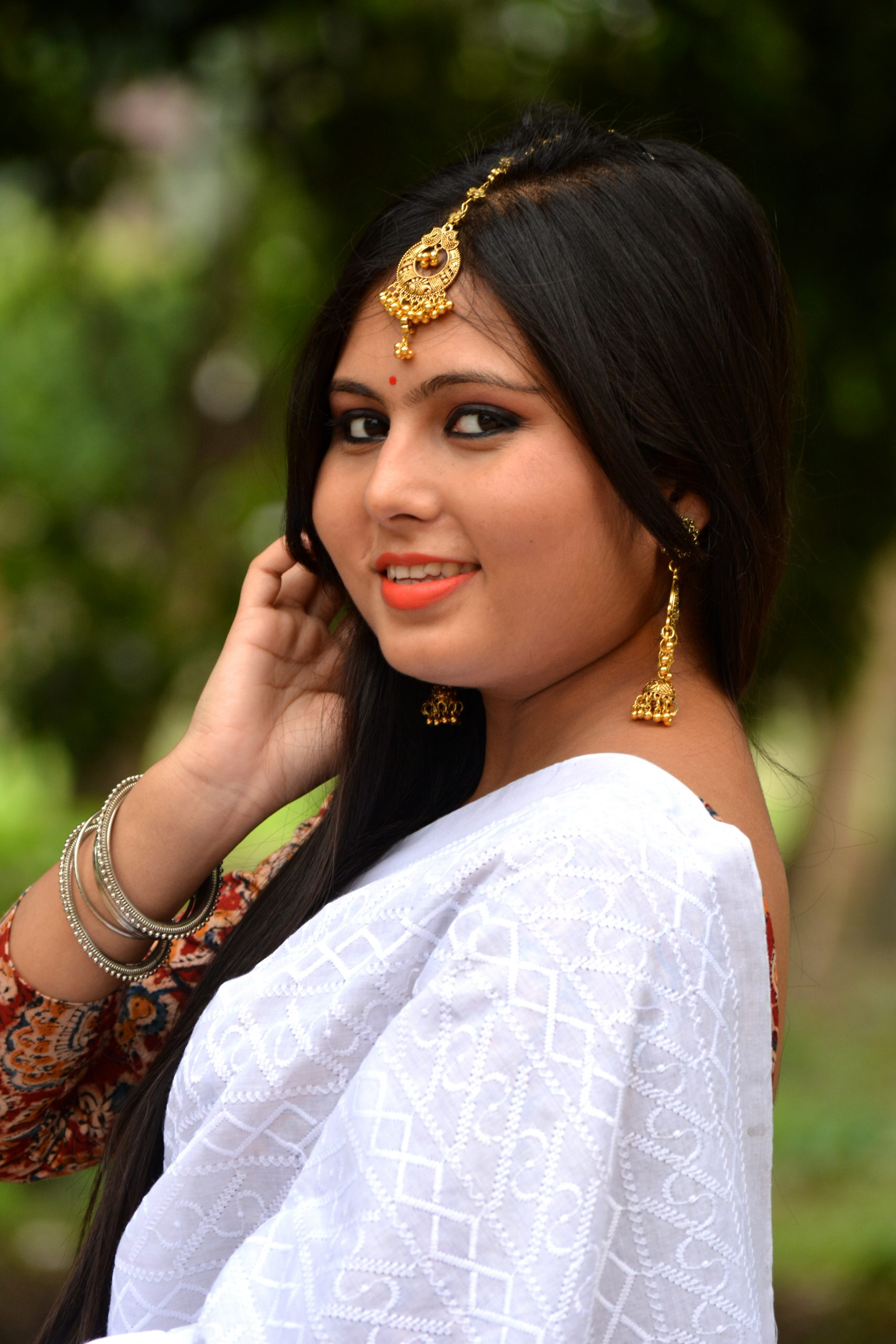 An Indian woman in traditional dress