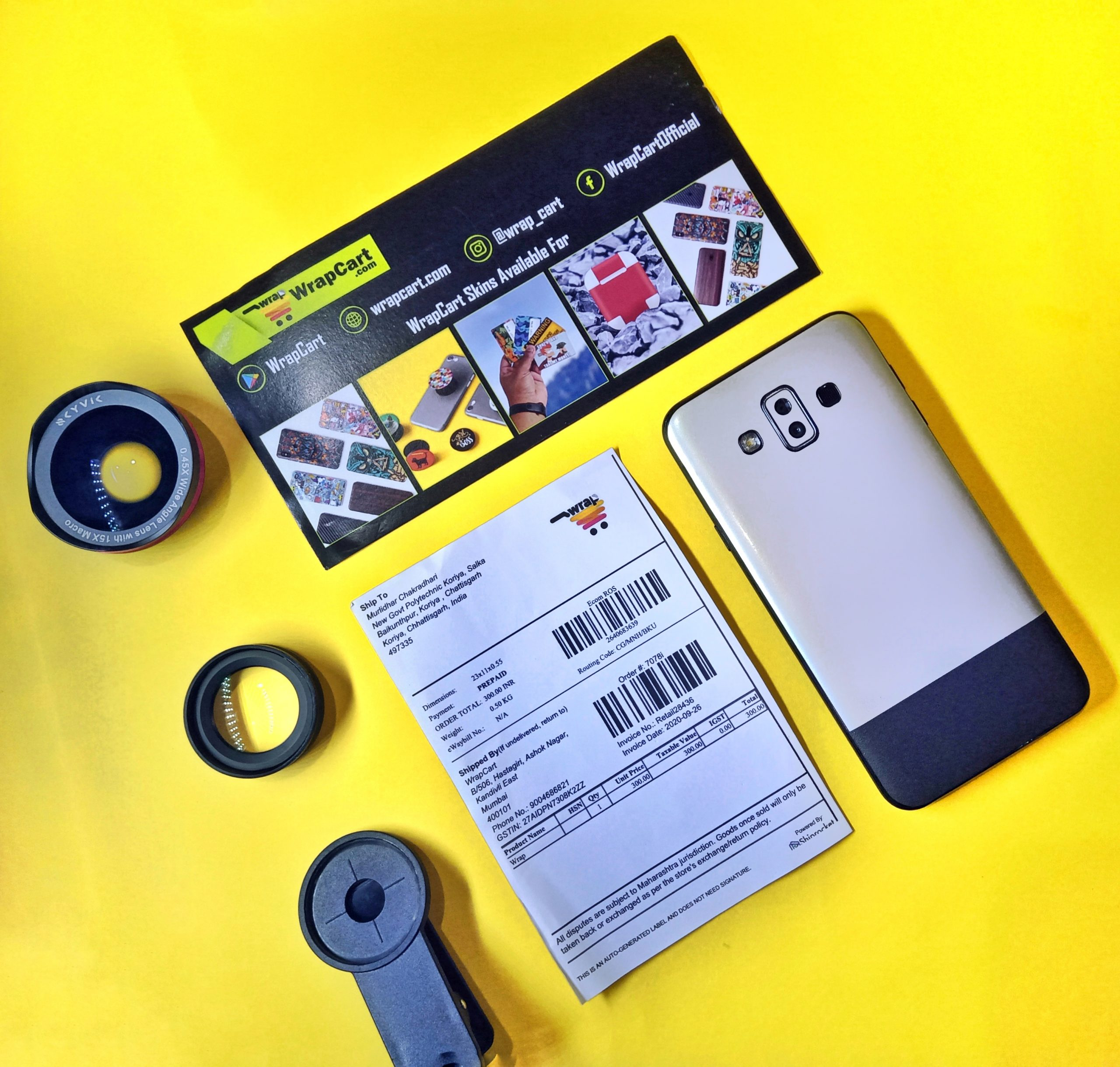 Camera lens and smartphone