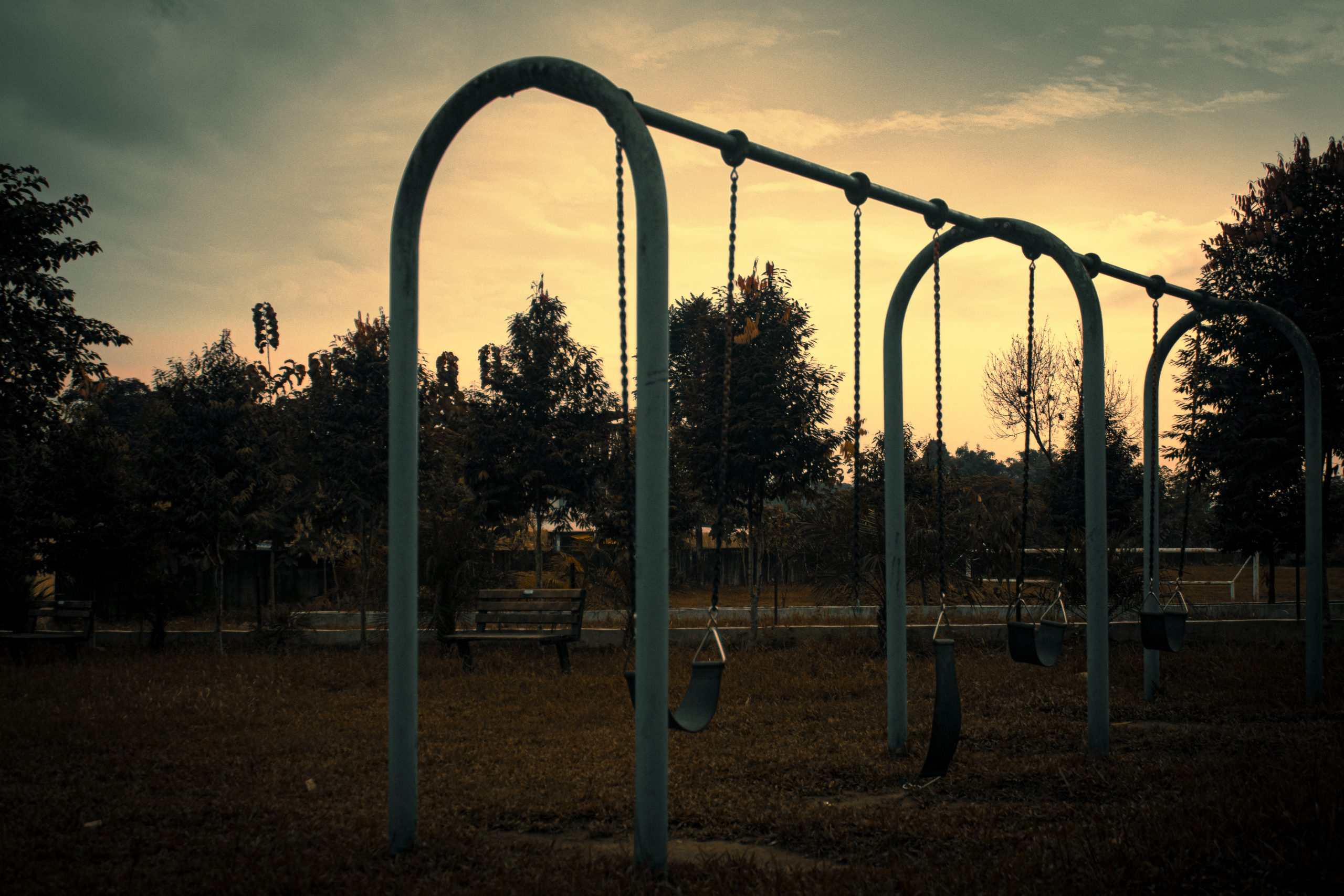 Chain swing in a park