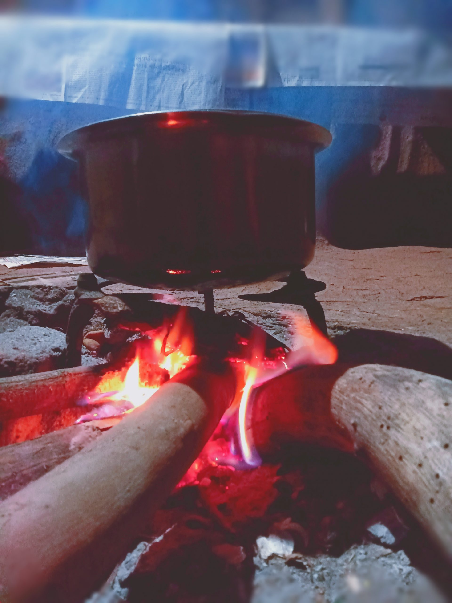 Cooking on wooden fire