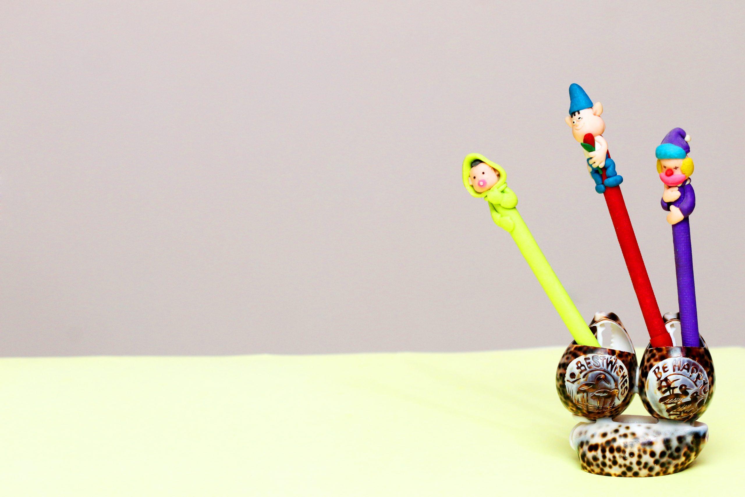 Kid's Pen stand