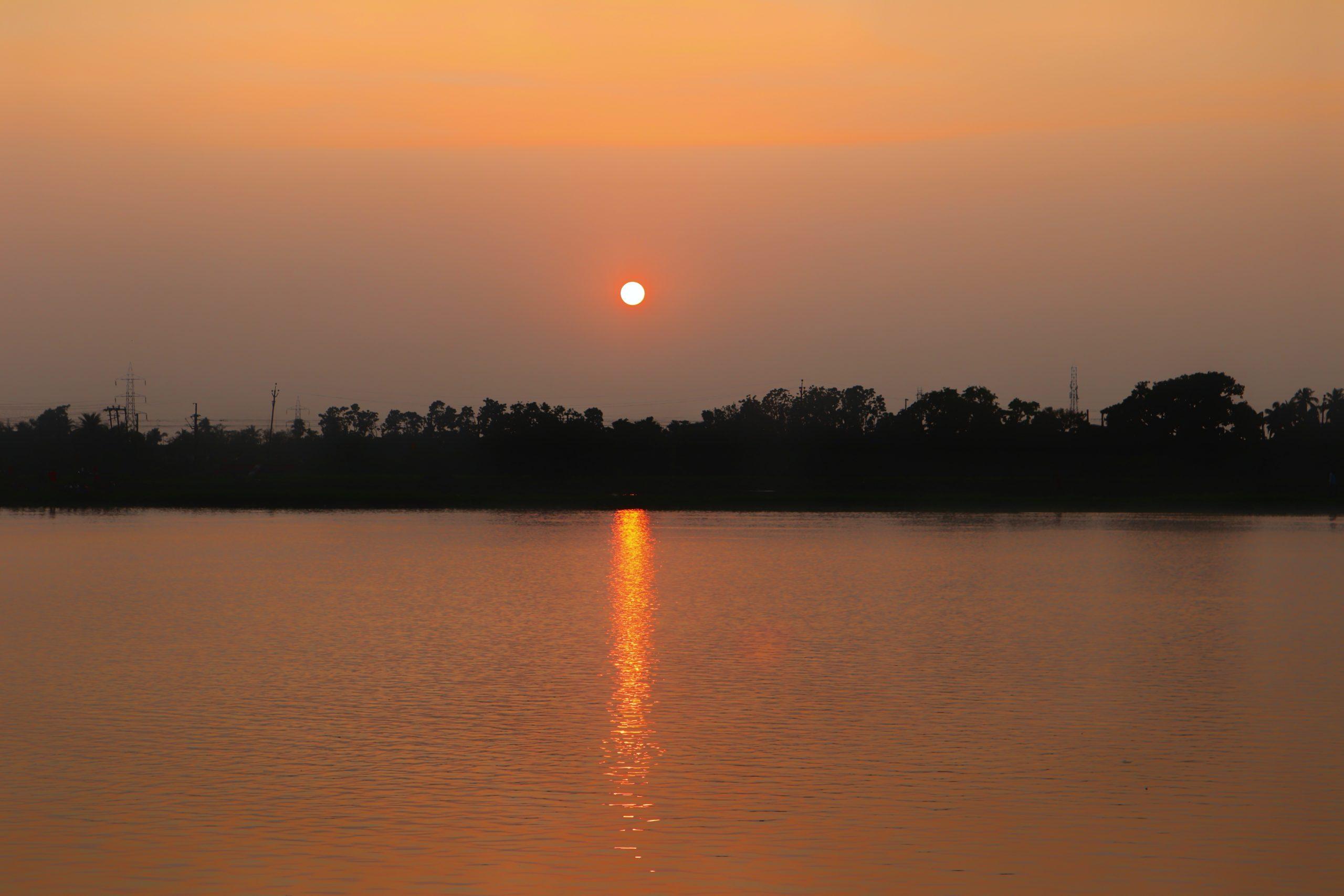 Lake side sunset