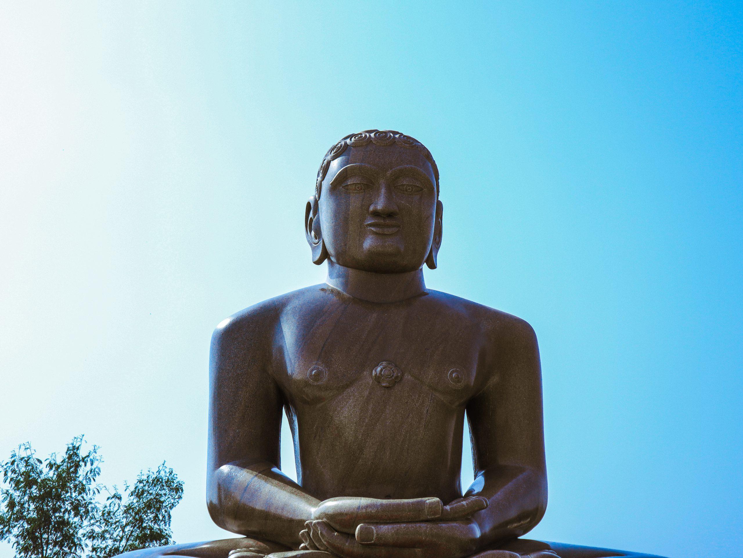 Lord Mahavira statue