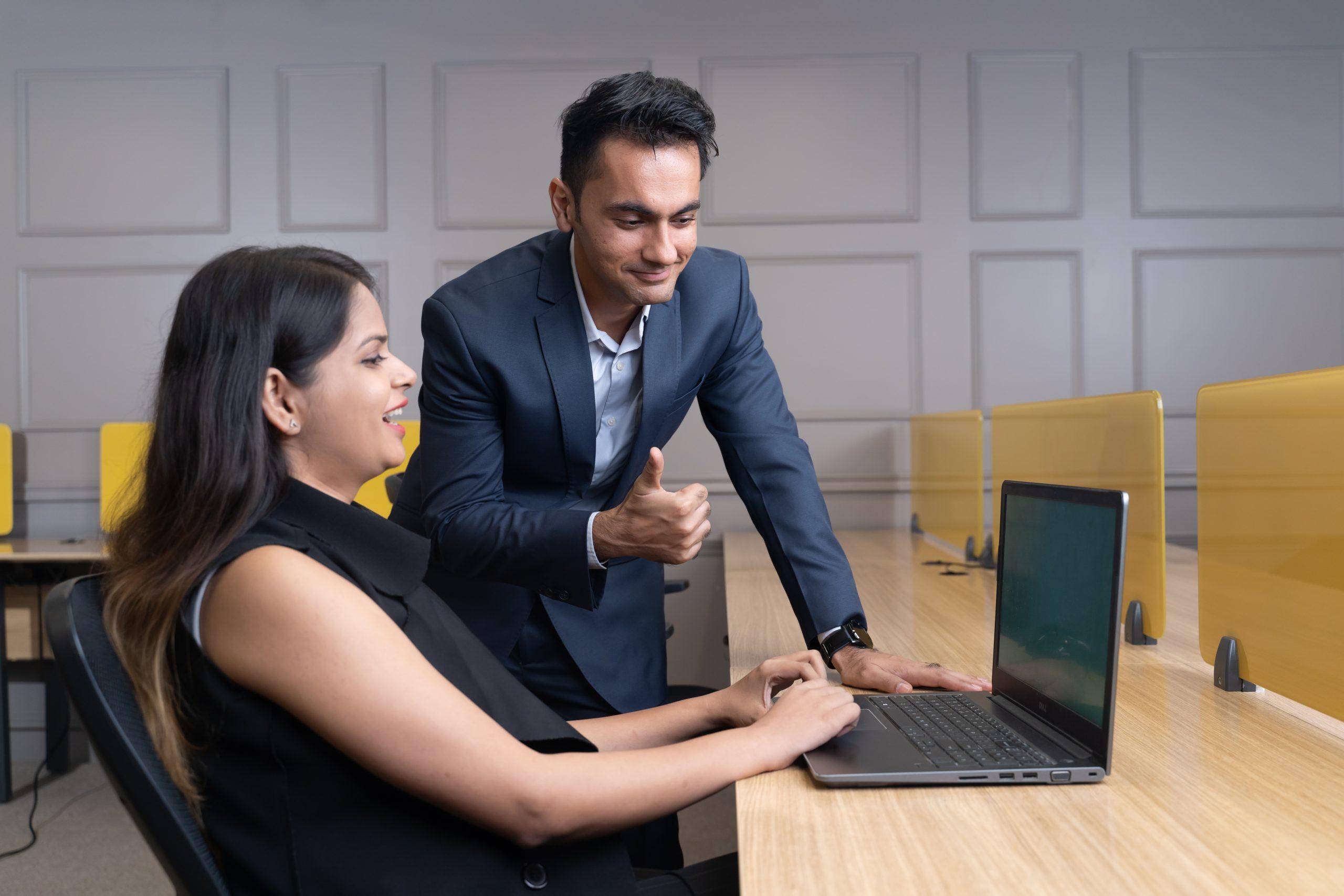 Manager appreciating executive's work