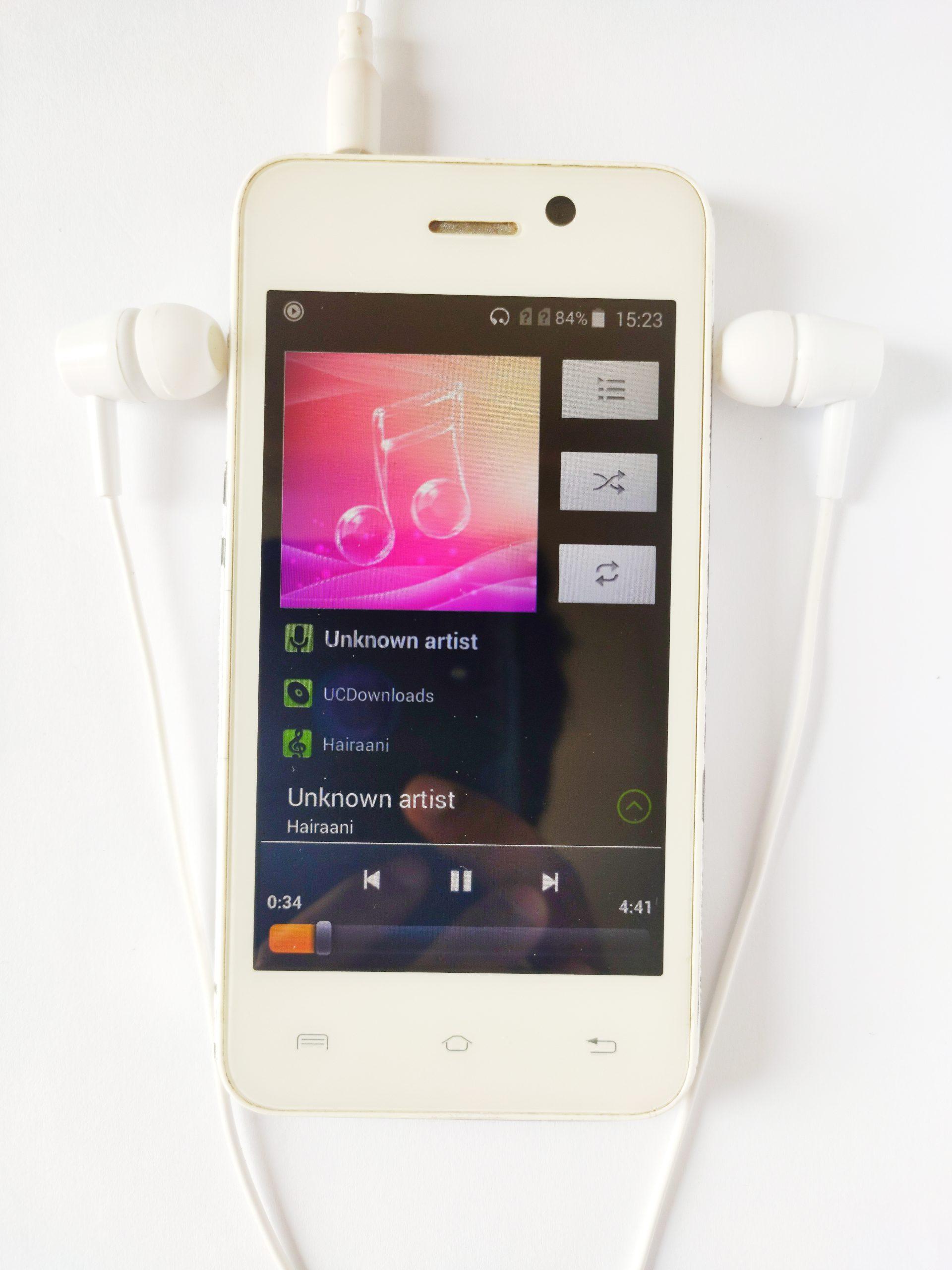 Phone with earphone