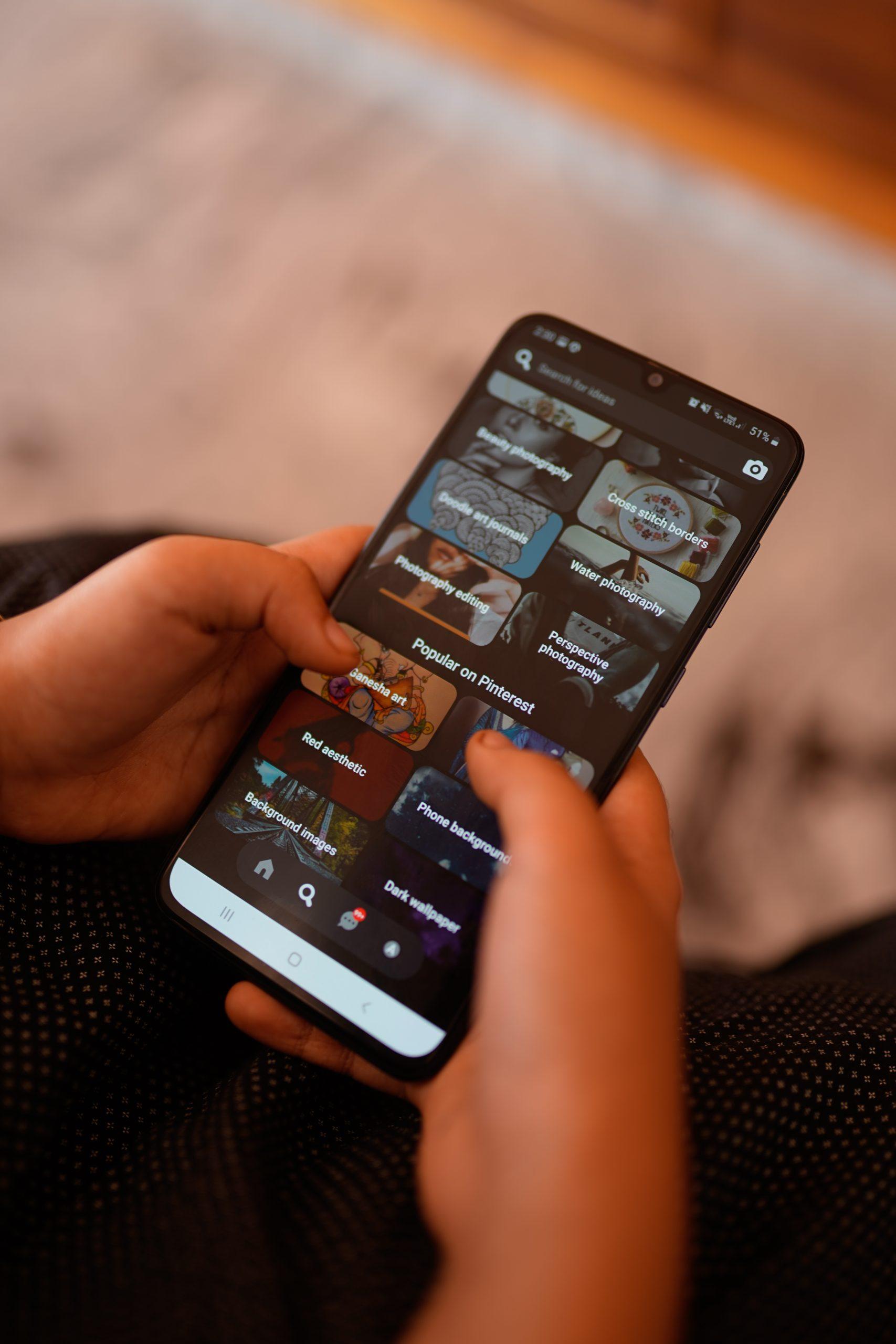 Social media in mobile phone