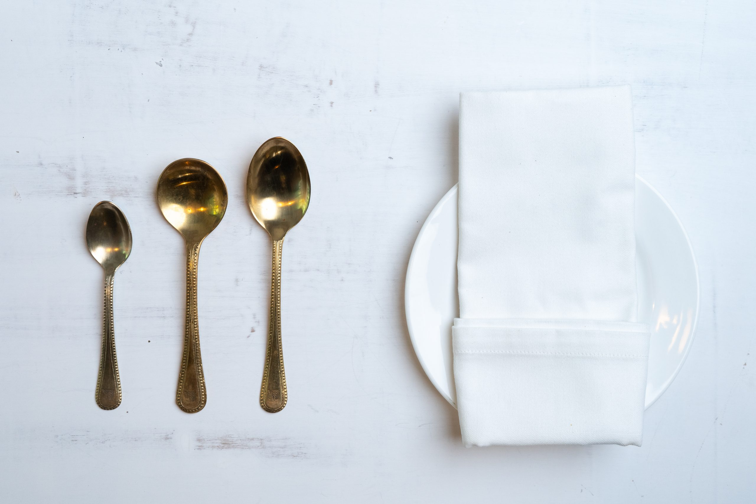 Plate and spoons